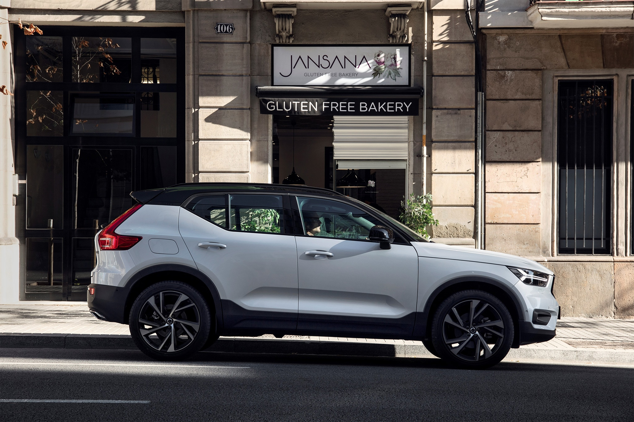9 Passenger Suv >> 2019 Volvo XC40 First Drive Review | Automobile Magazine