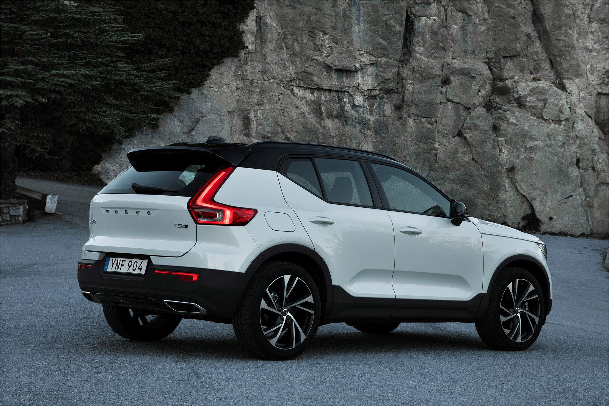 2019 Volvo Xc40 First Drive Review Automobile Magazine