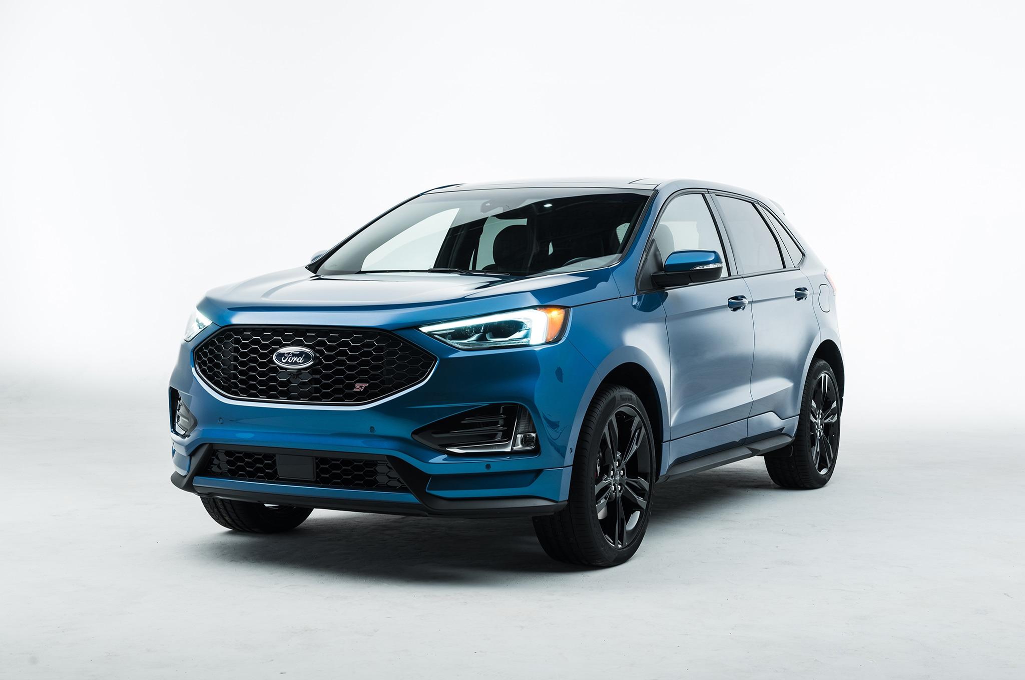 2019 Ford Edge ST Front Three Quarter