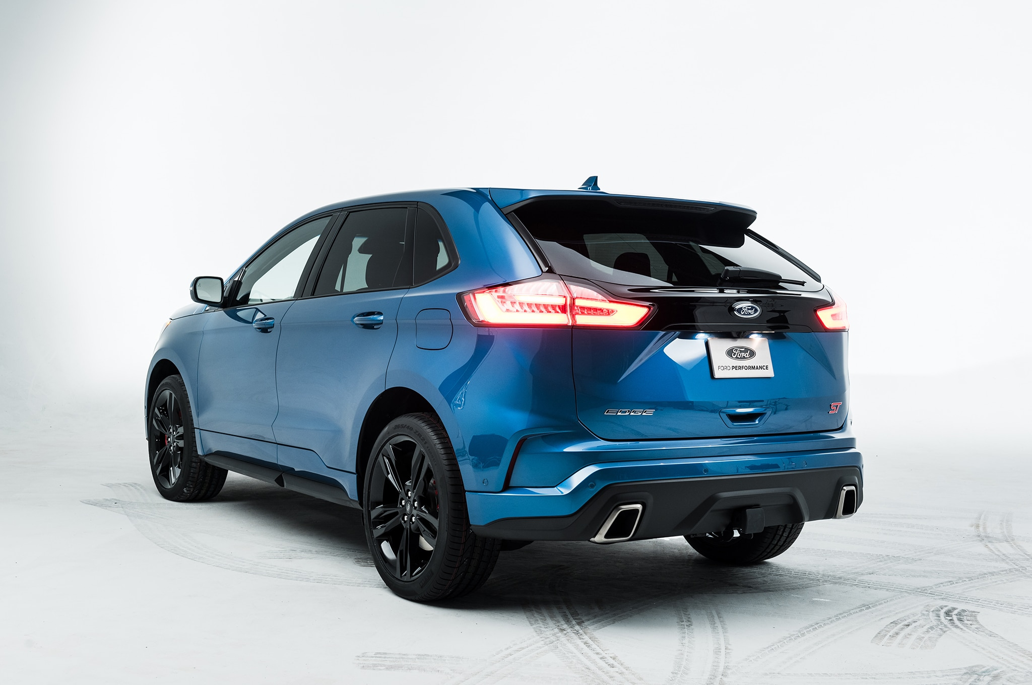 2019 Ford Edge Goes ST, Gets Mid-Cycle Refresh ...