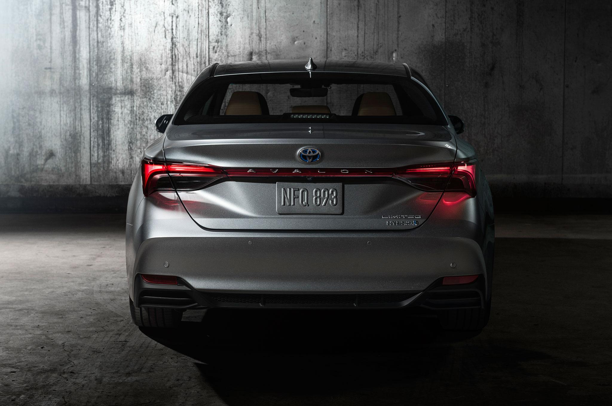 All New 2019 Toyota Avalon Debuts In Detroit Automobile Magazine
