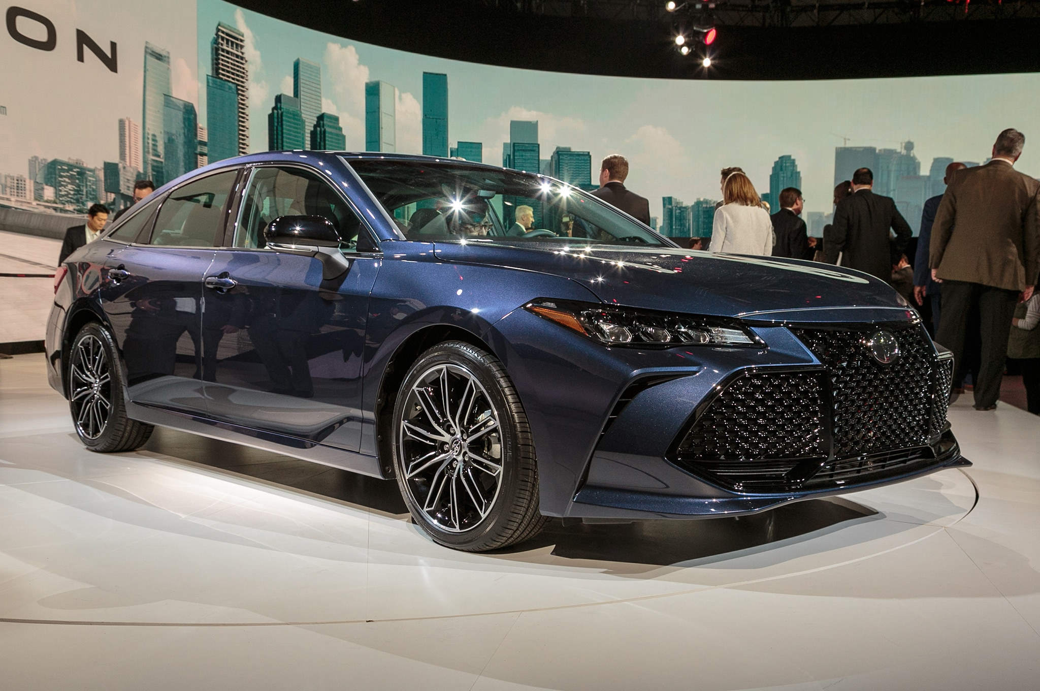 Four Things to Love About the 2019 Toyota Avalon | Automobile Magazine