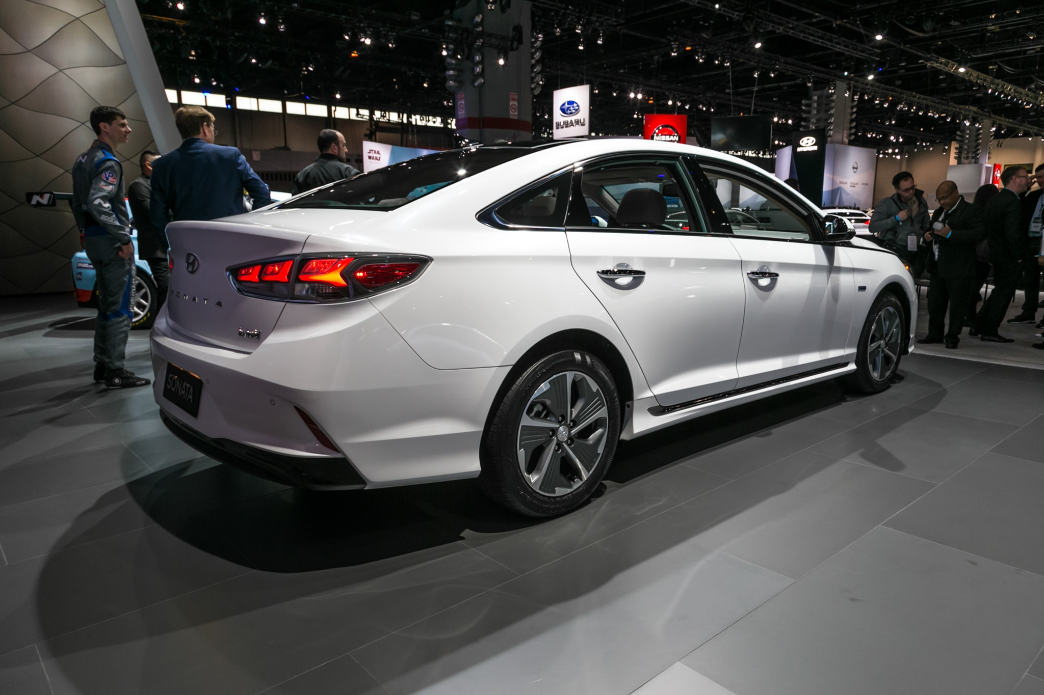 2018 Hyundai Sonata Hybrid and PHEV Efficiently Debut in ...