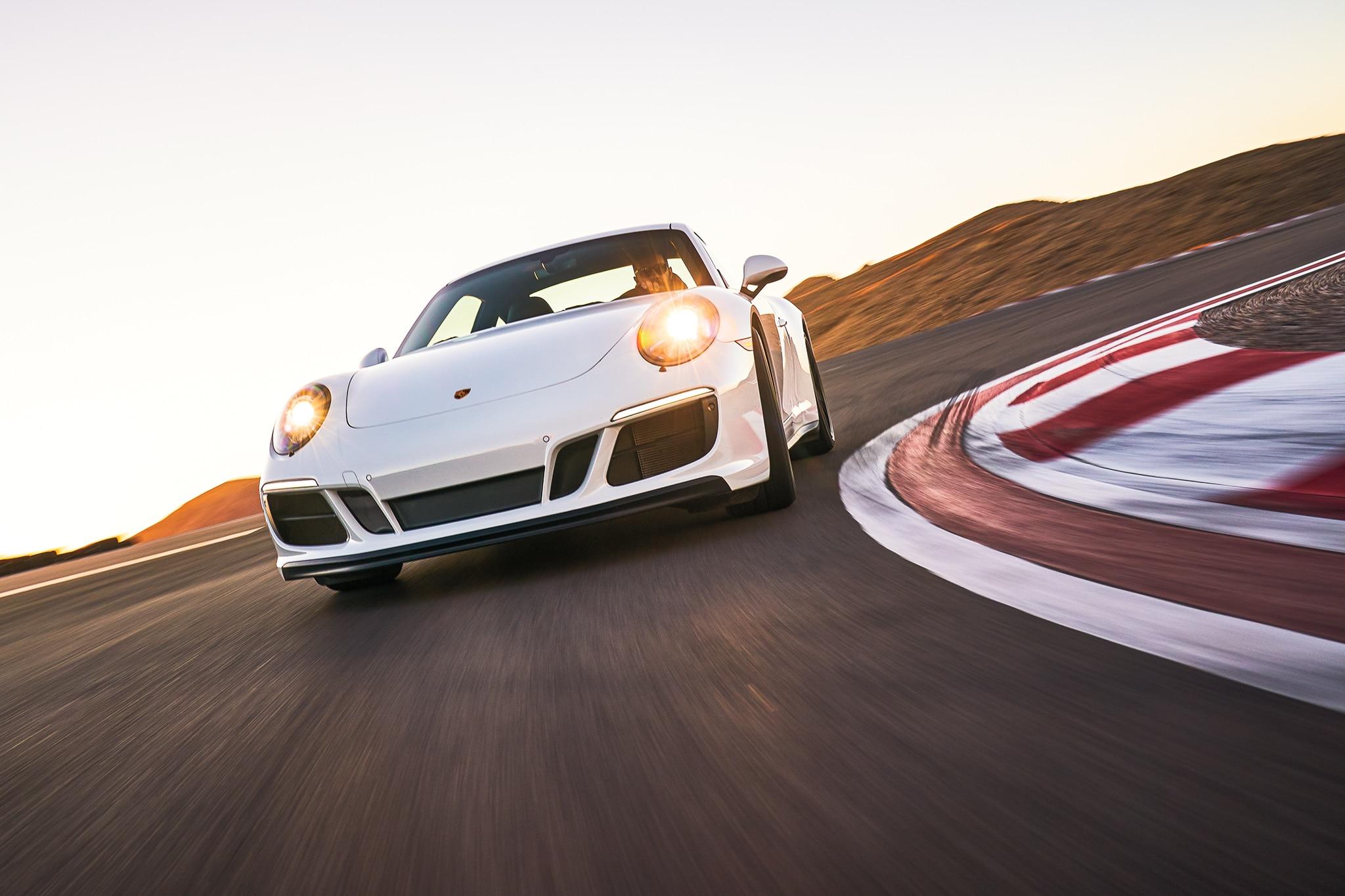 2017 Porsche 911 Carrera GTS All Stars Contender 01