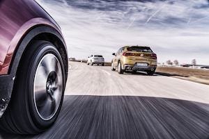 2018 BMW X2 Vs 2019 Volvo XC40 Vs 2018 Jaguar E Pace 19