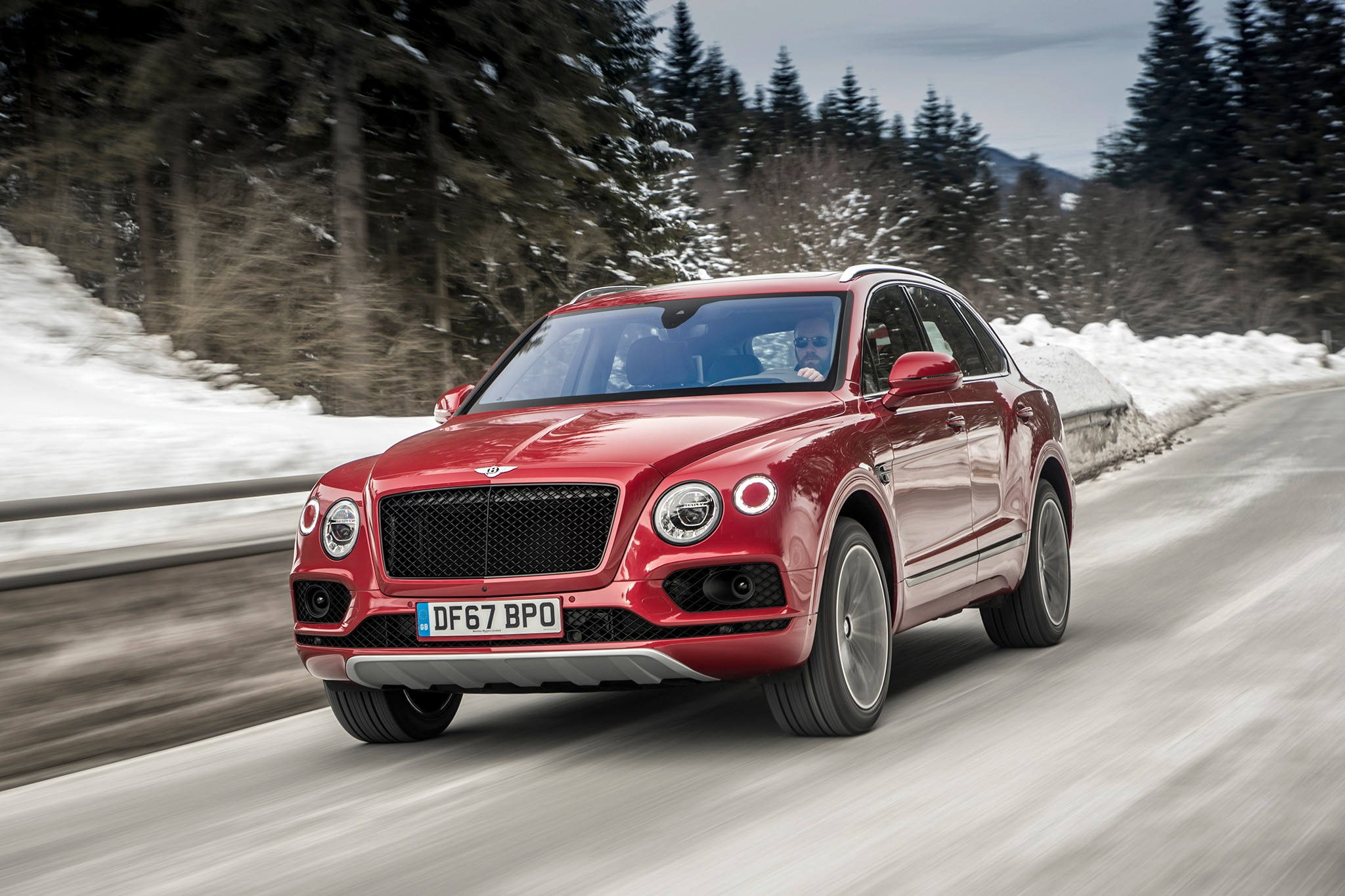 2018 Bentley Bentayga V8 Front Three Quarter In Motion 03