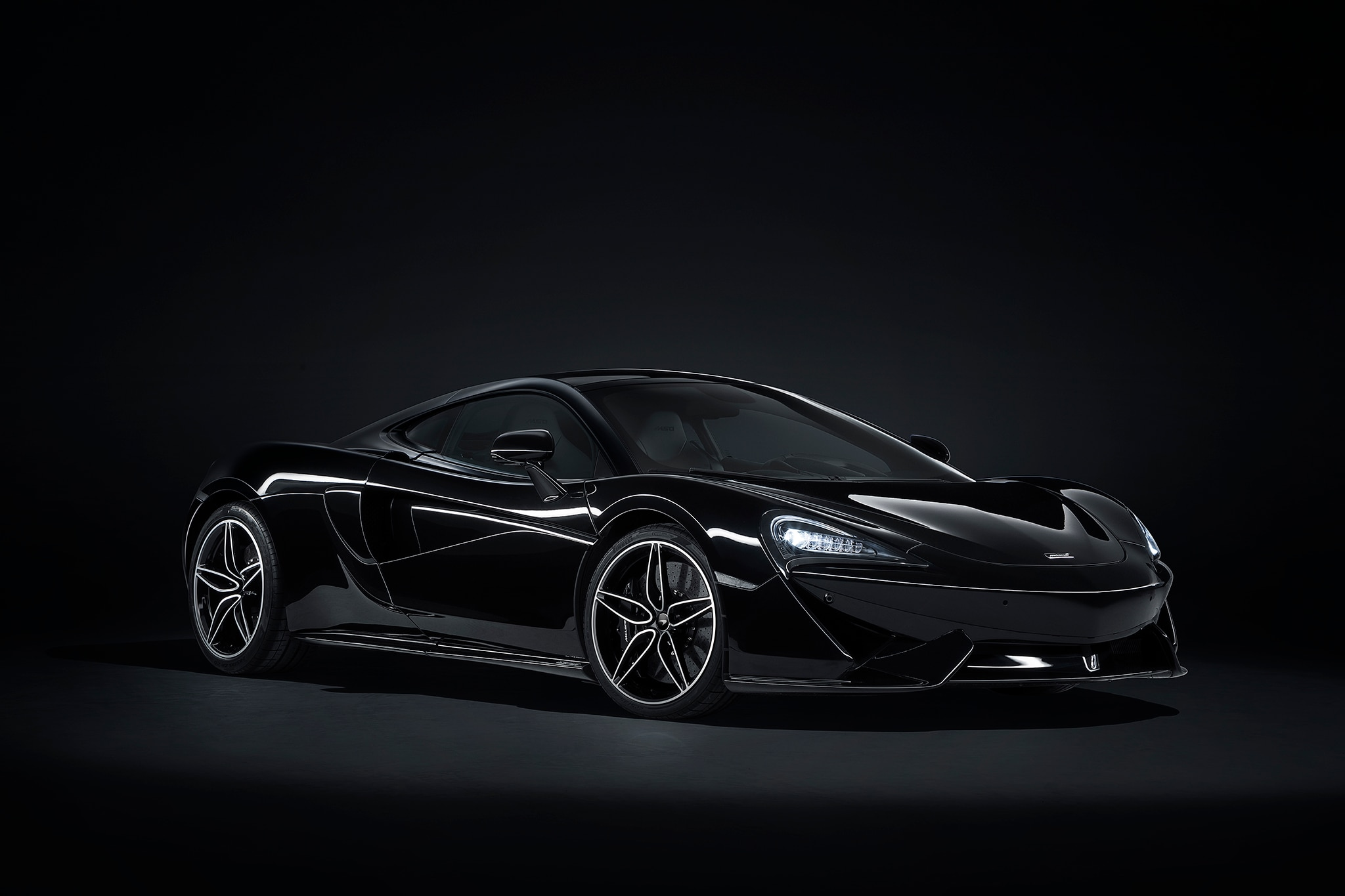 2018 McLaren 570GT MSO Black Collection Front Three Quarters