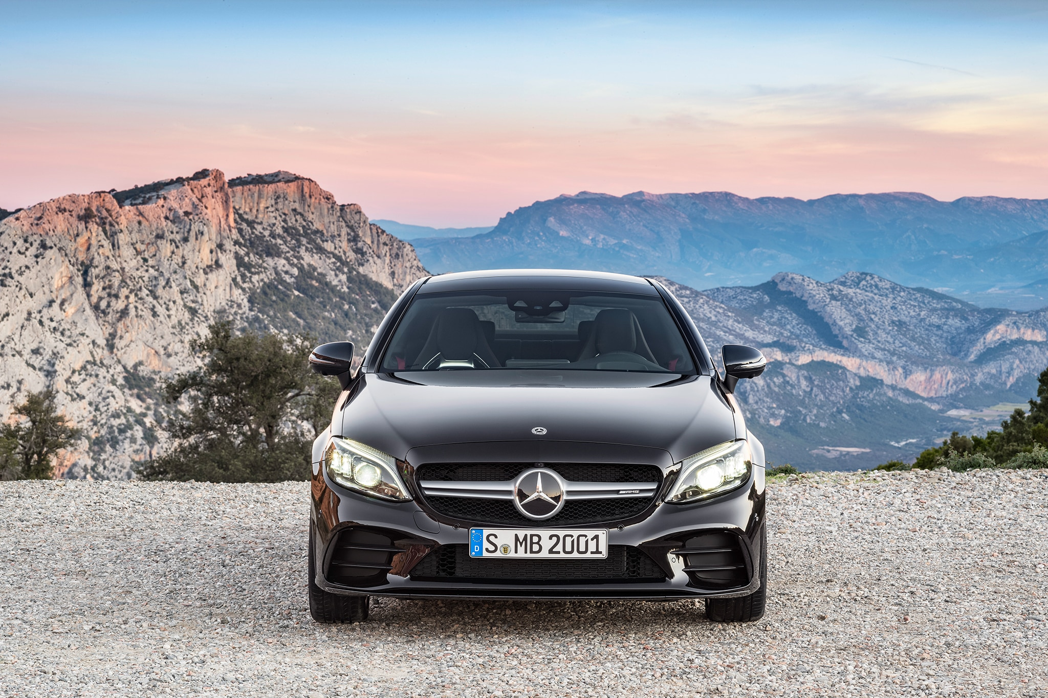2019 mercedes amg c43 coupe and cabriolet make nyc debut automobile magazine. Black Bedroom Furniture Sets. Home Design Ideas