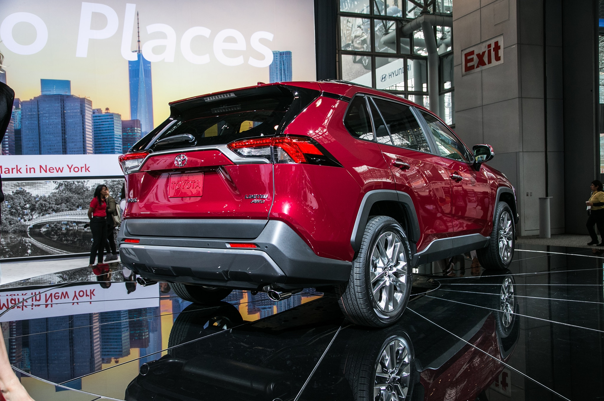 Seven Things To Know About the 2019 Toyota RAV4 ...