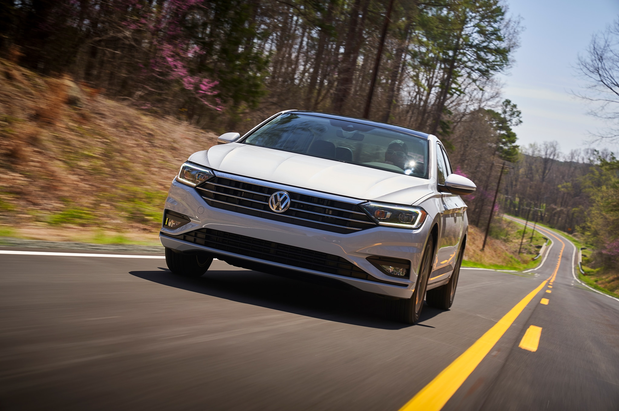 2019 Volkswagen Jetta Front In Motion 03