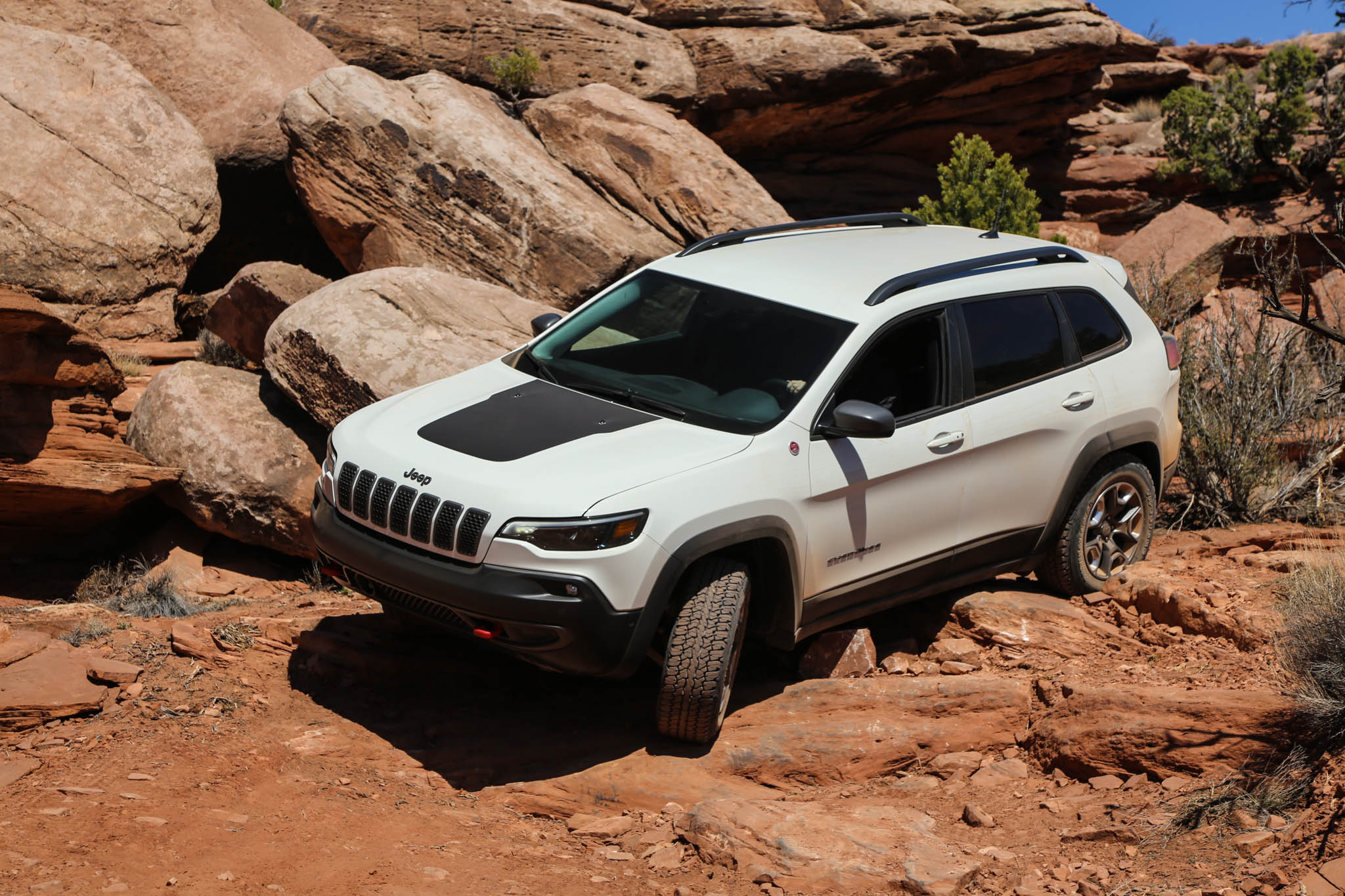 2018 Jeep Wrangler Rubicon And Cherokee Trailhawk 9