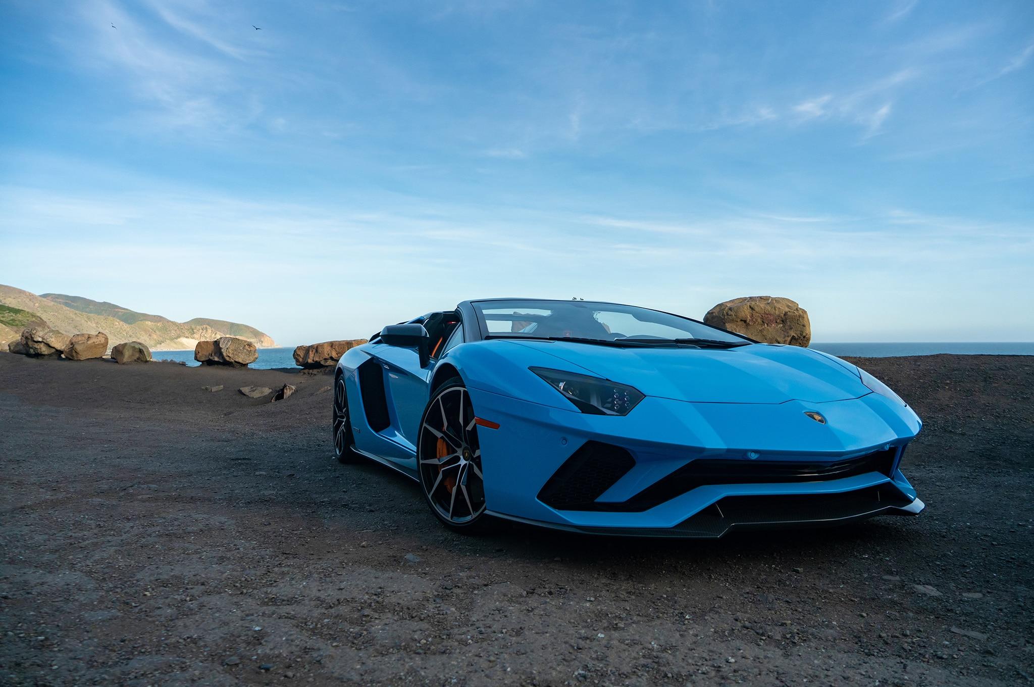 2018 Lamborghini Aventador S Roadster Front Three Quarter 07