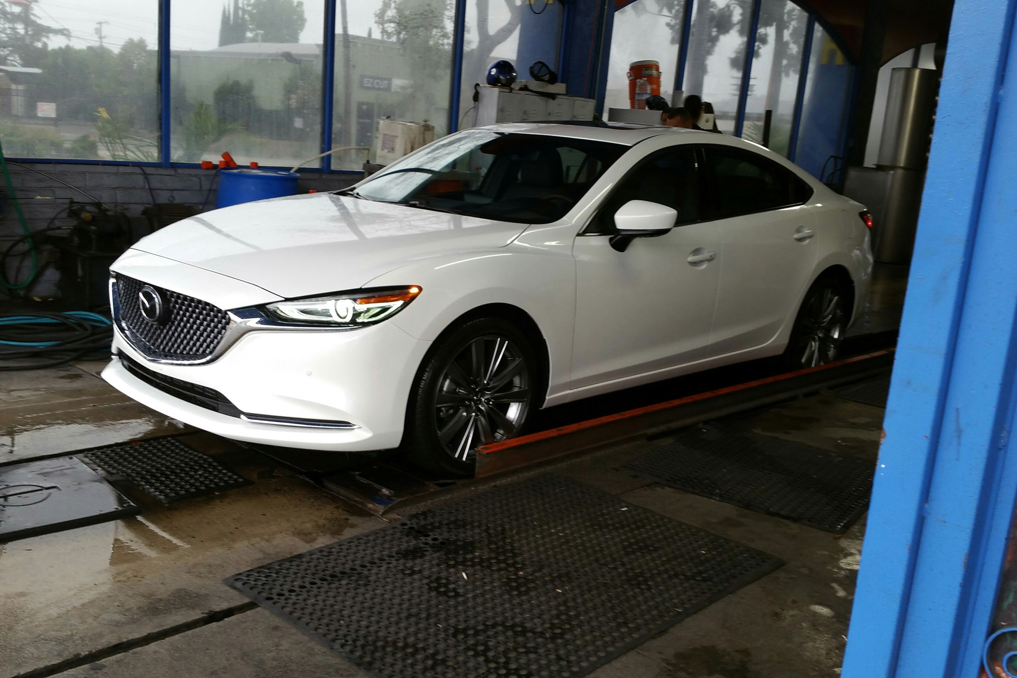 2018 Mazda6 Signature Car Wash
