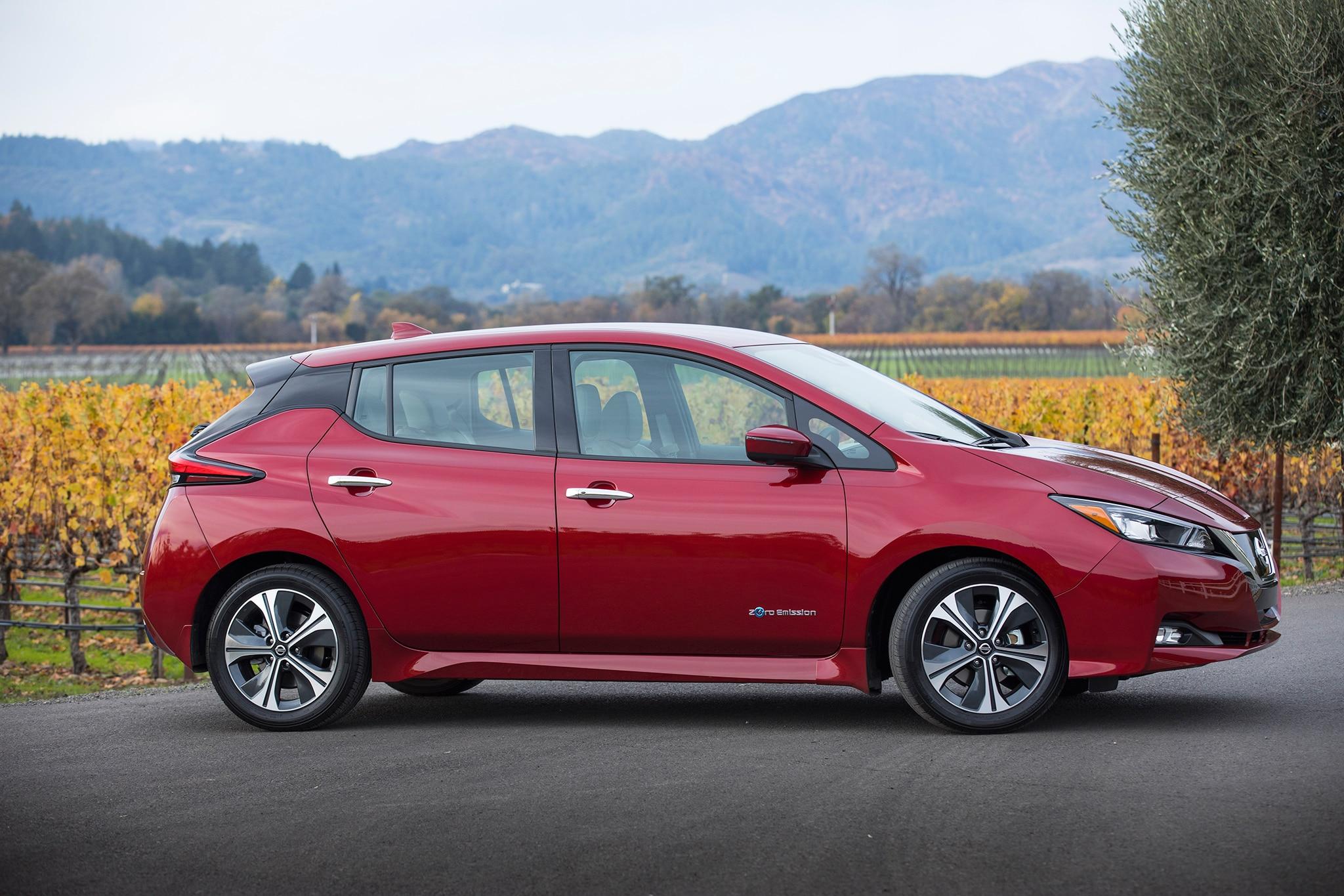 2018 Nissan Leaf SL One Week Review | Automobile Magazine