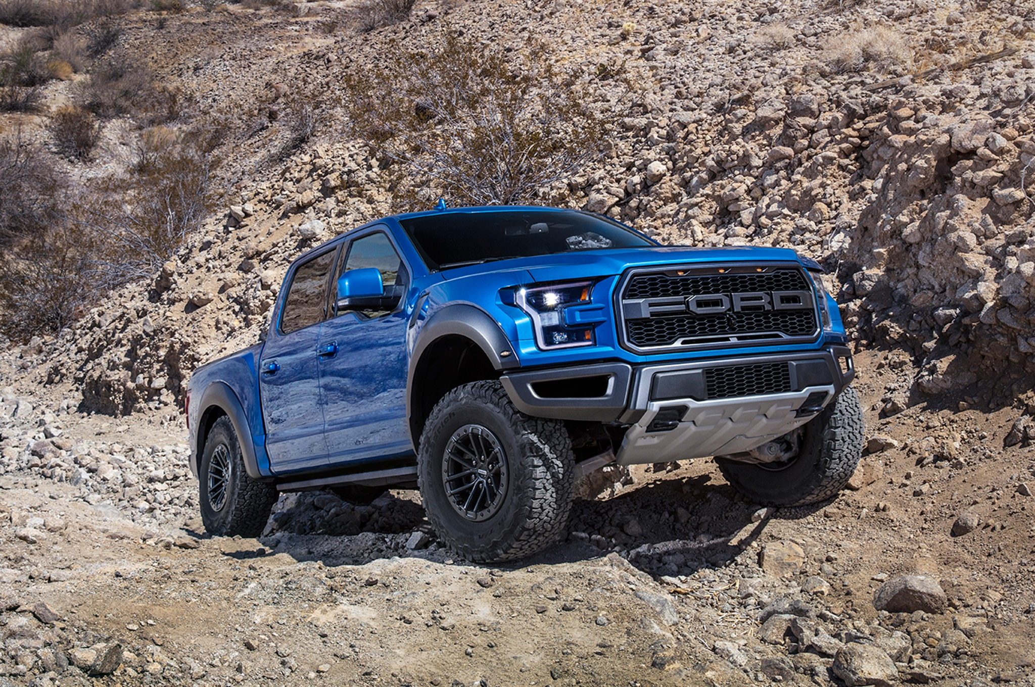 2019 ford f 150 raptor gets electronically controlled fox. Black Bedroom Furniture Sets. Home Design Ideas