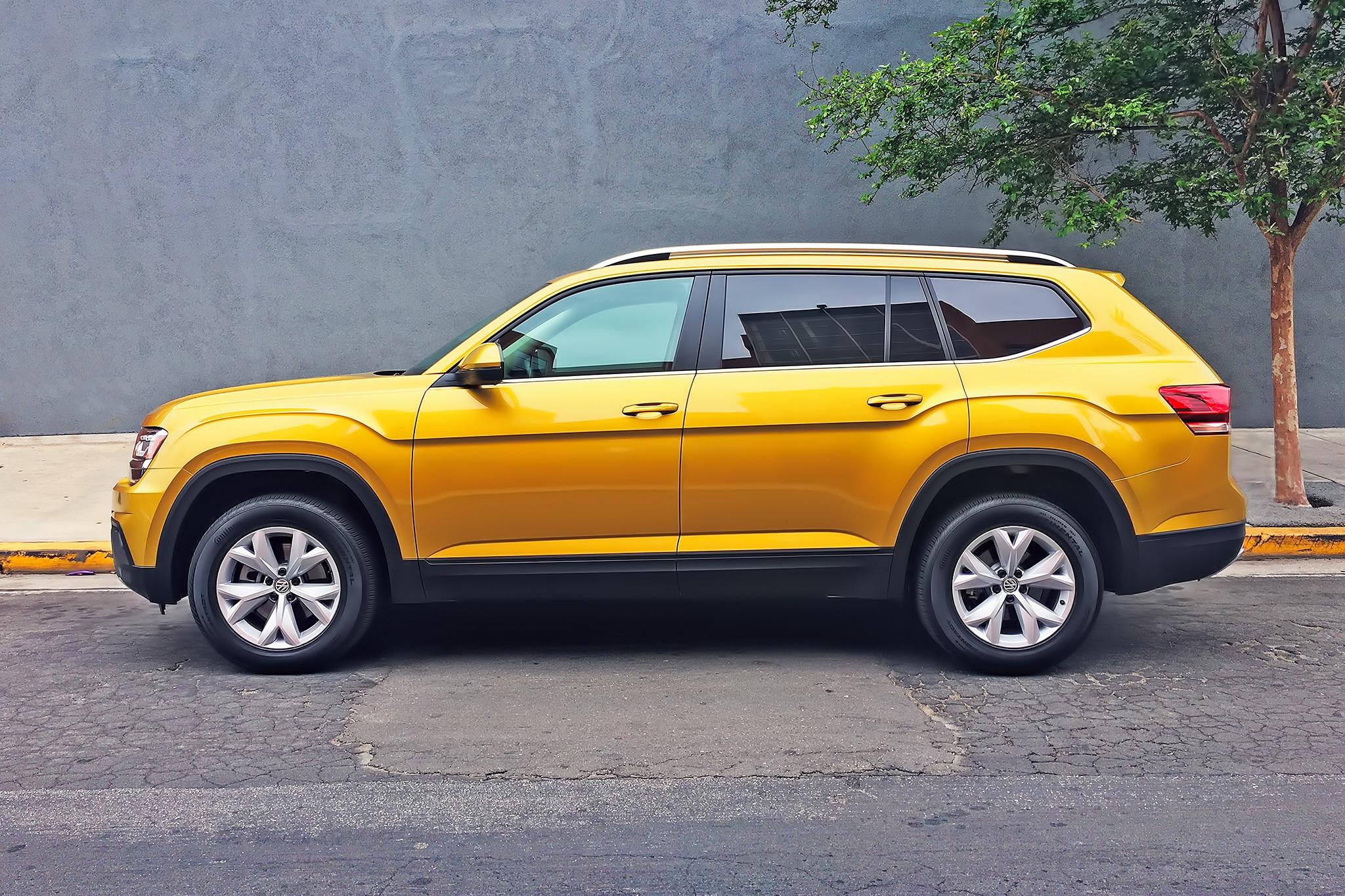 2018 Volkswagen Atlas 2 0T SE One Week Review | Automobile