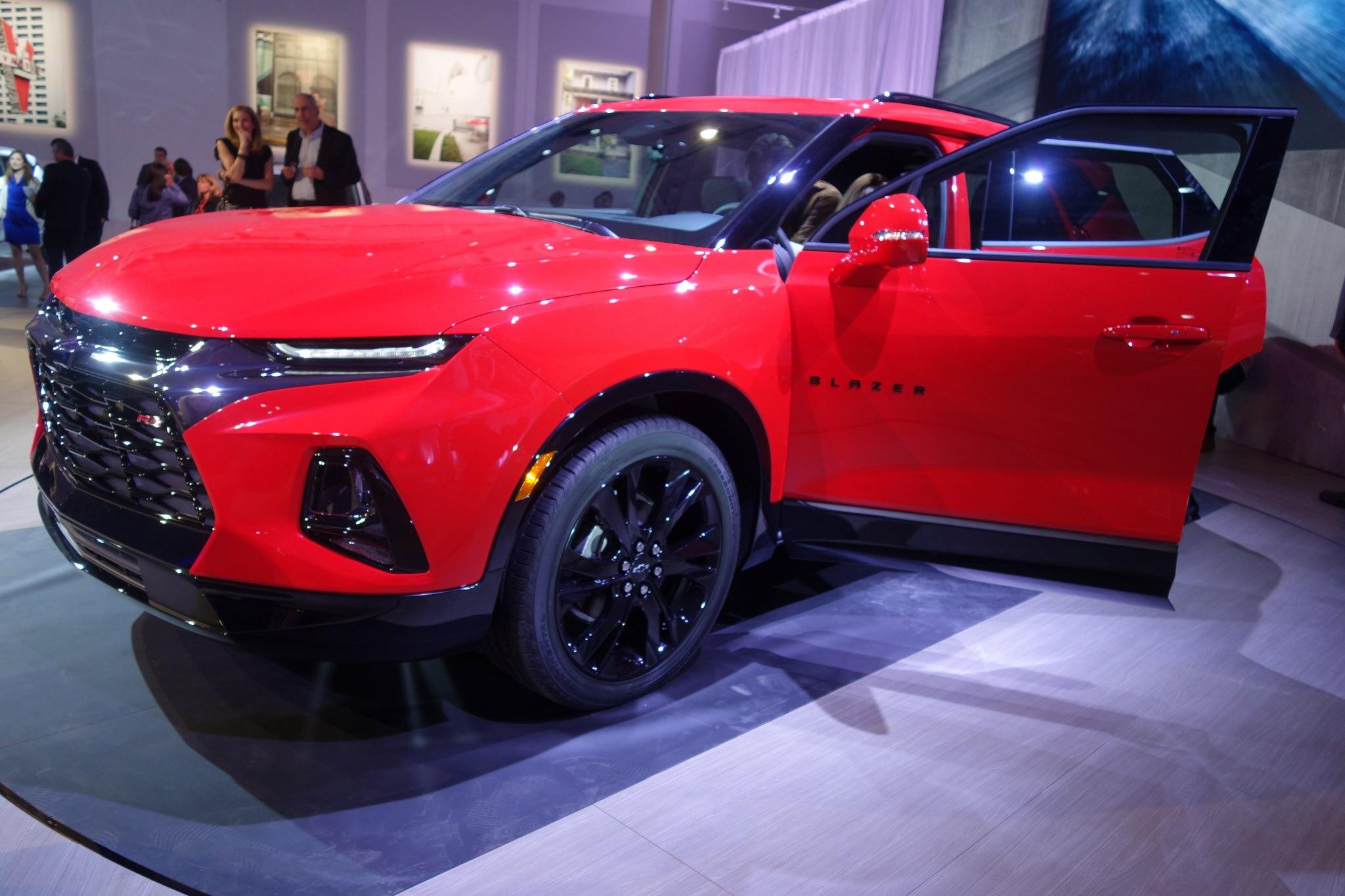 The Big 2019 Chevrolet Blazer Photo Gallery Automobile Magazine
