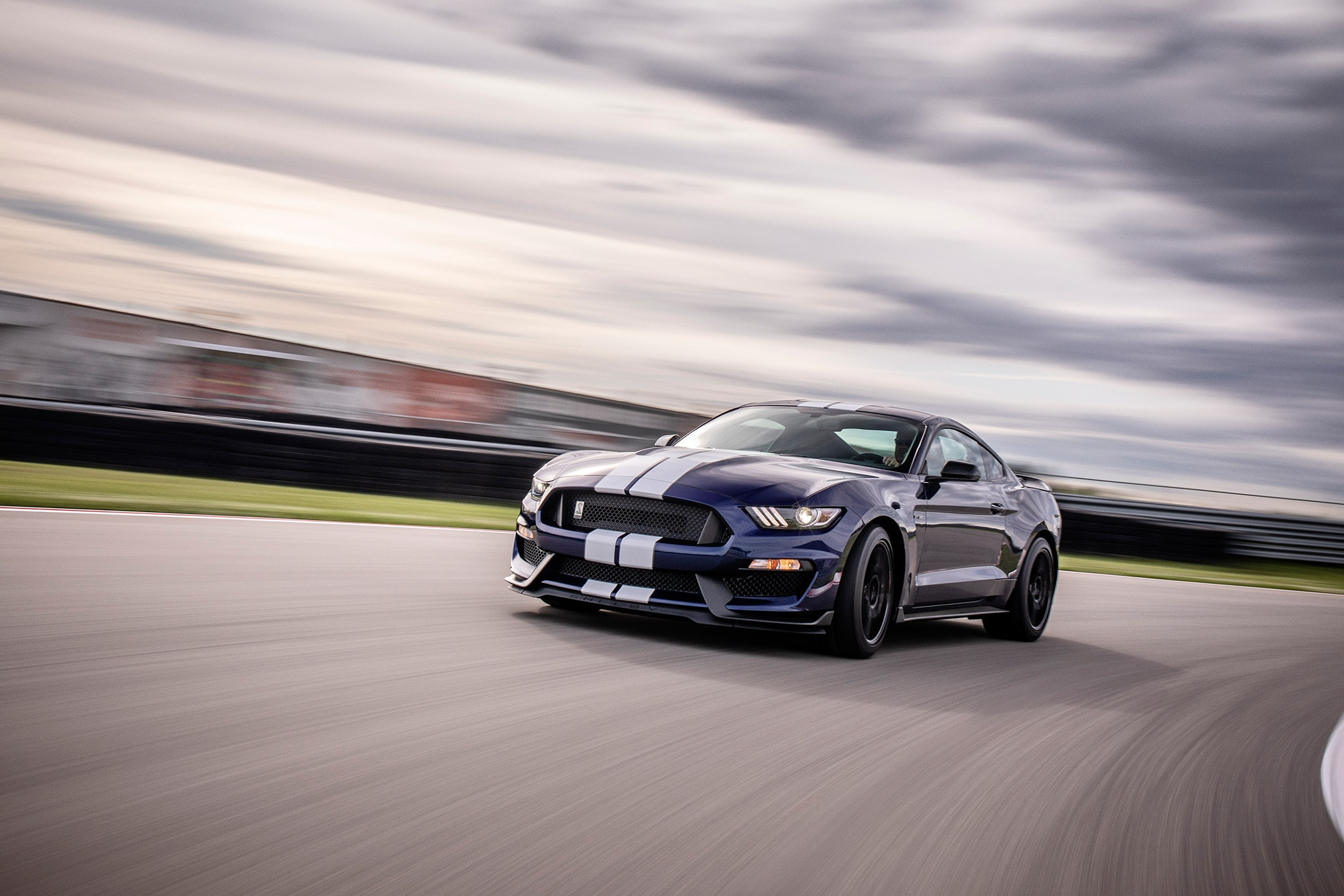 2019 Ford Mustang Shelby GT350 02