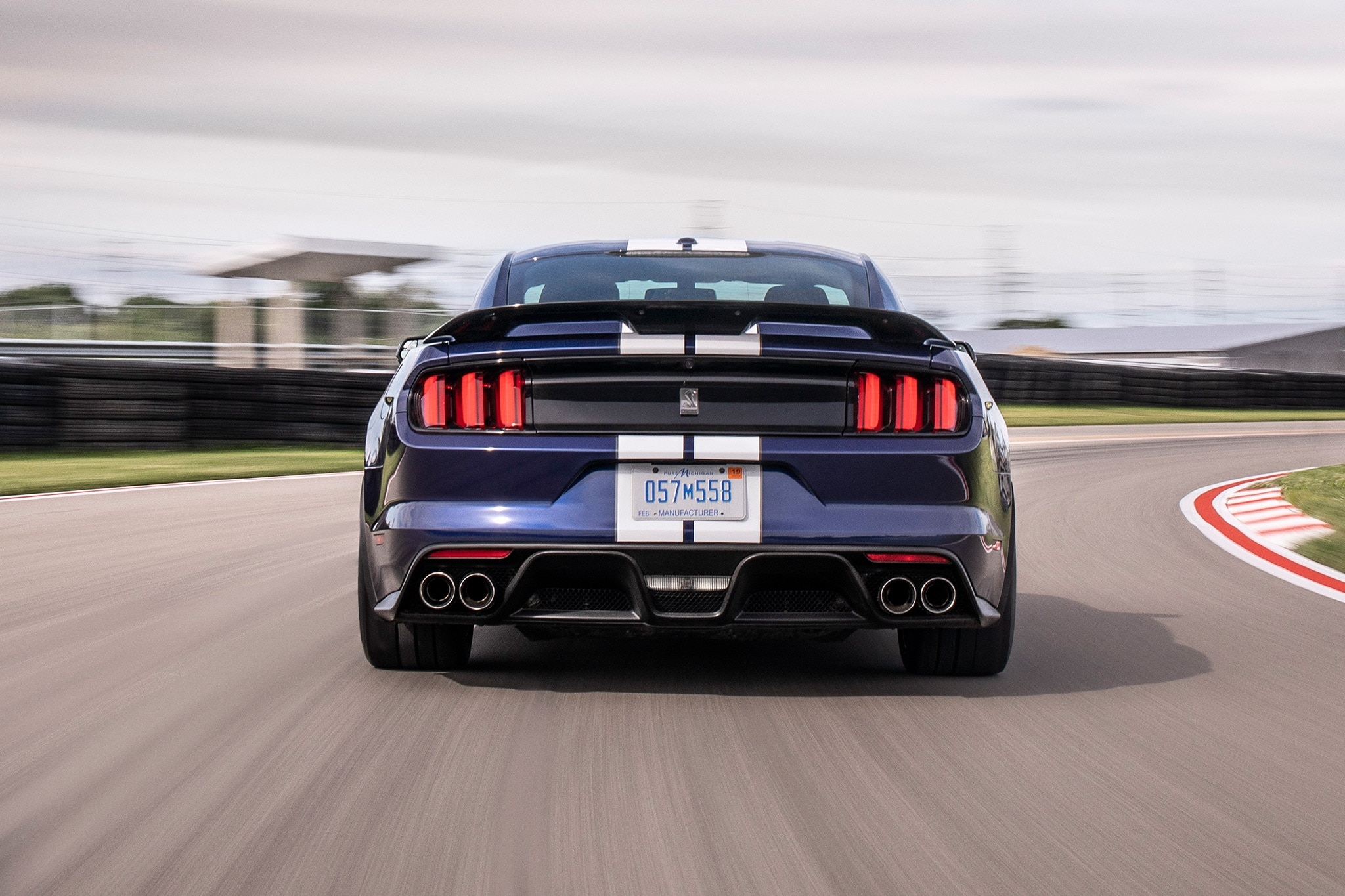 Ford Upgrades Mustang Shelby GT350 for 2019   Automobile ...