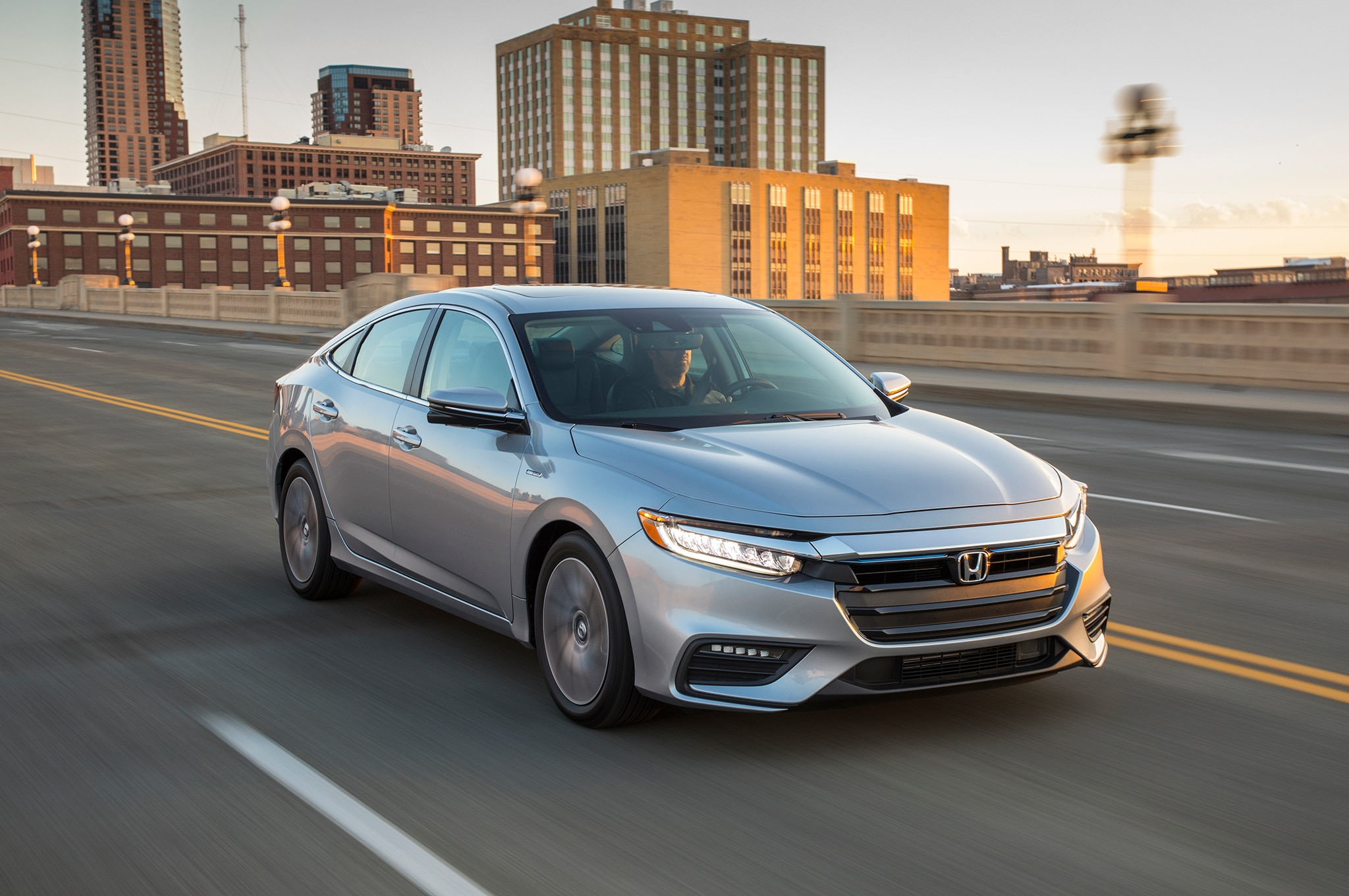 2019 Honda Insight Front Three Quarter In Motion 09