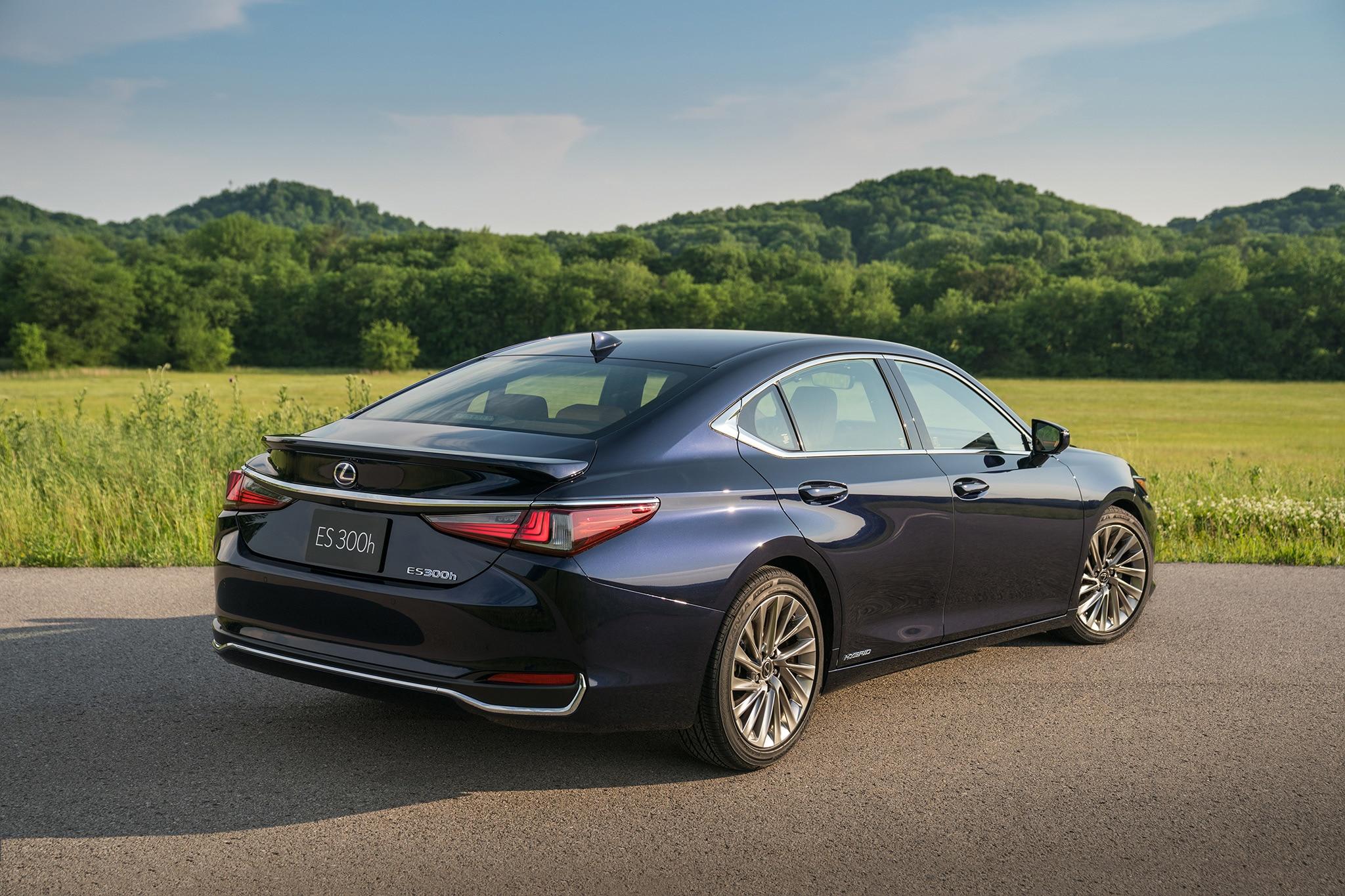 GALLERY: 2019 Lexus ES 300h