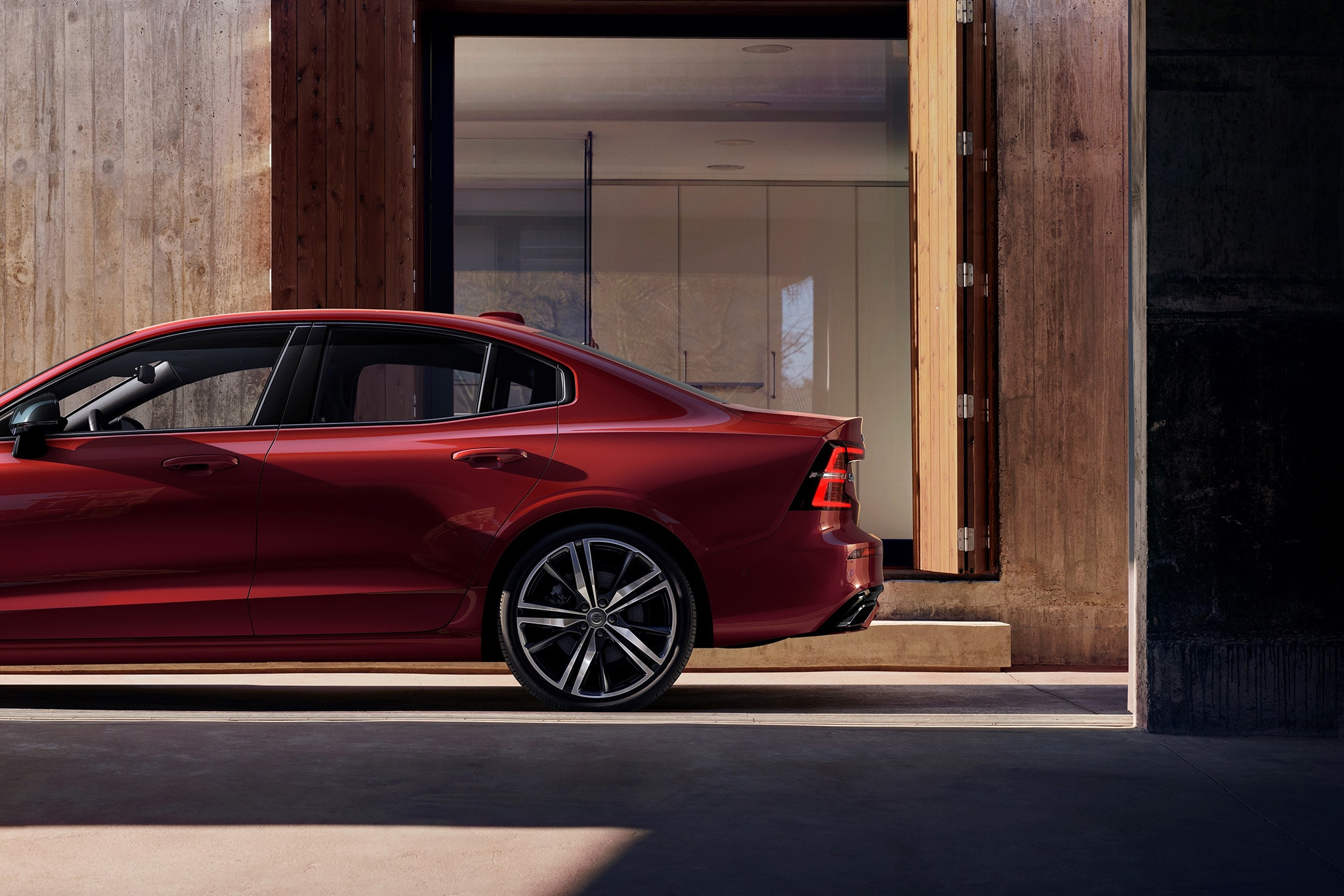 2019 Volvo S60 Sedan Brings Elegant SPA Platform to Entry