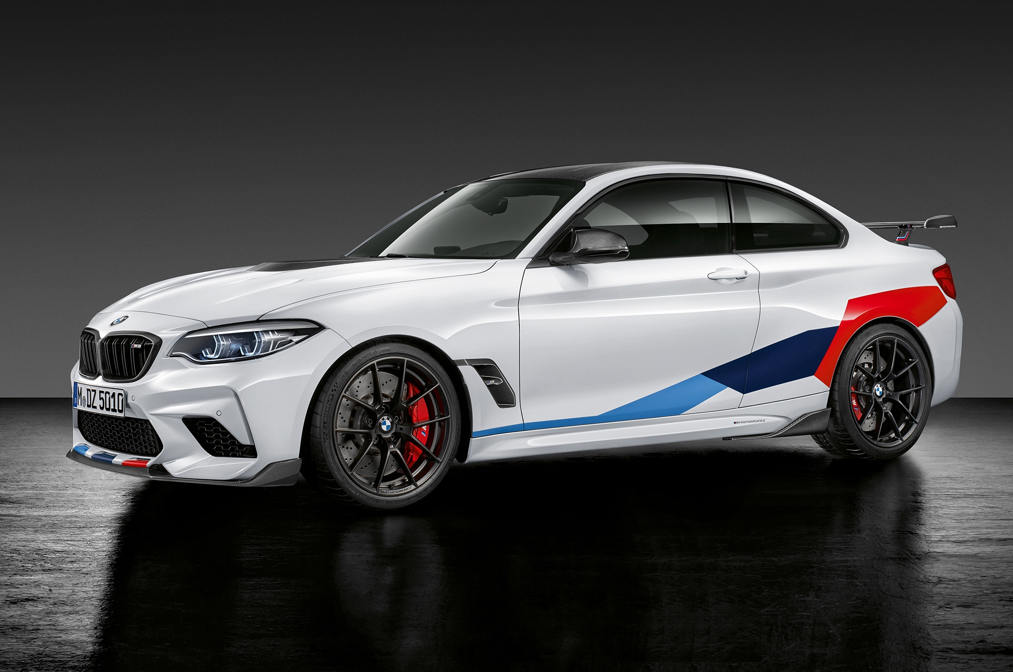 first look  2019 bmw m2 competition