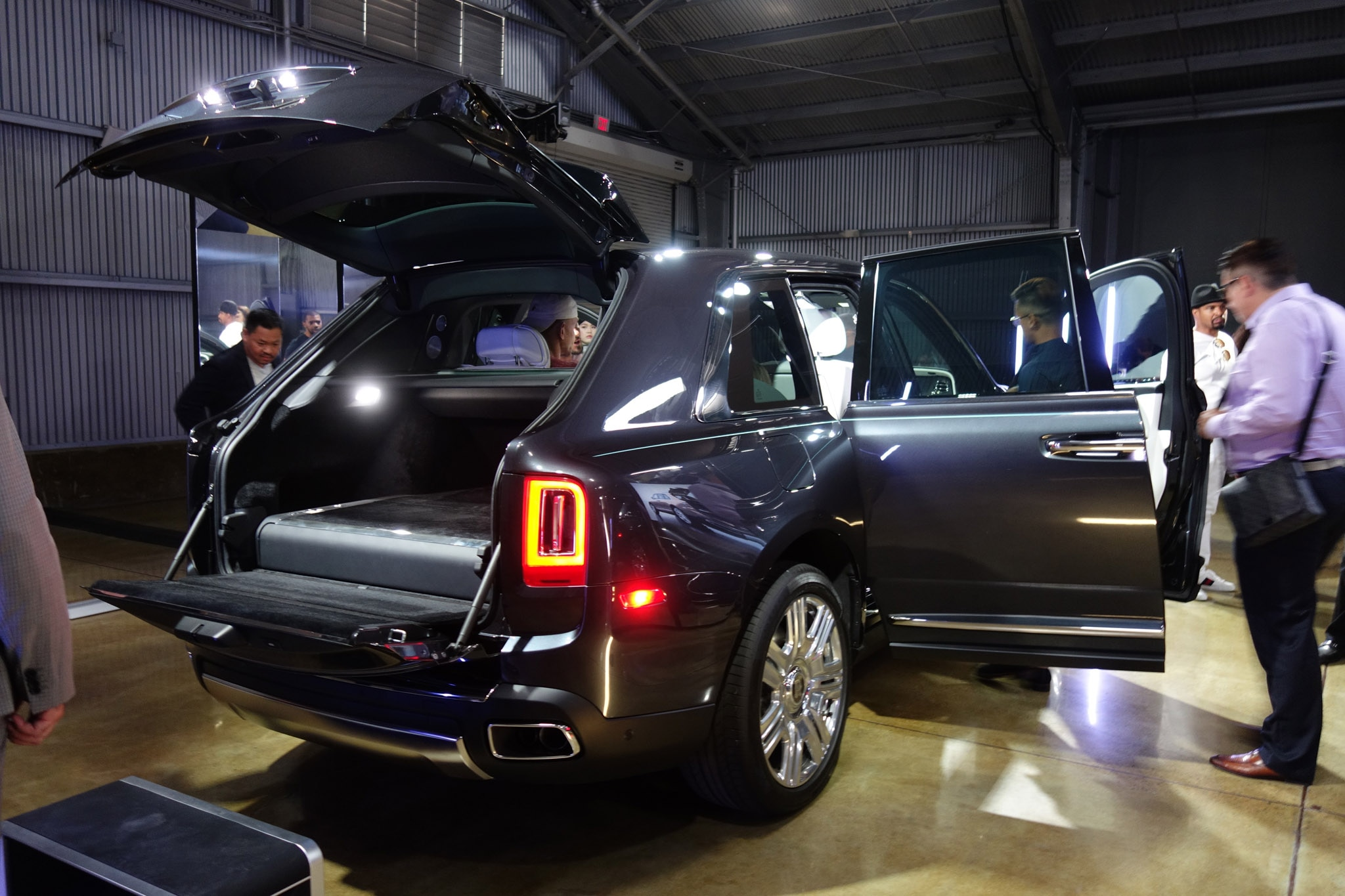 Seven Cool Things About The 2019 Rolls Royce Cullinan