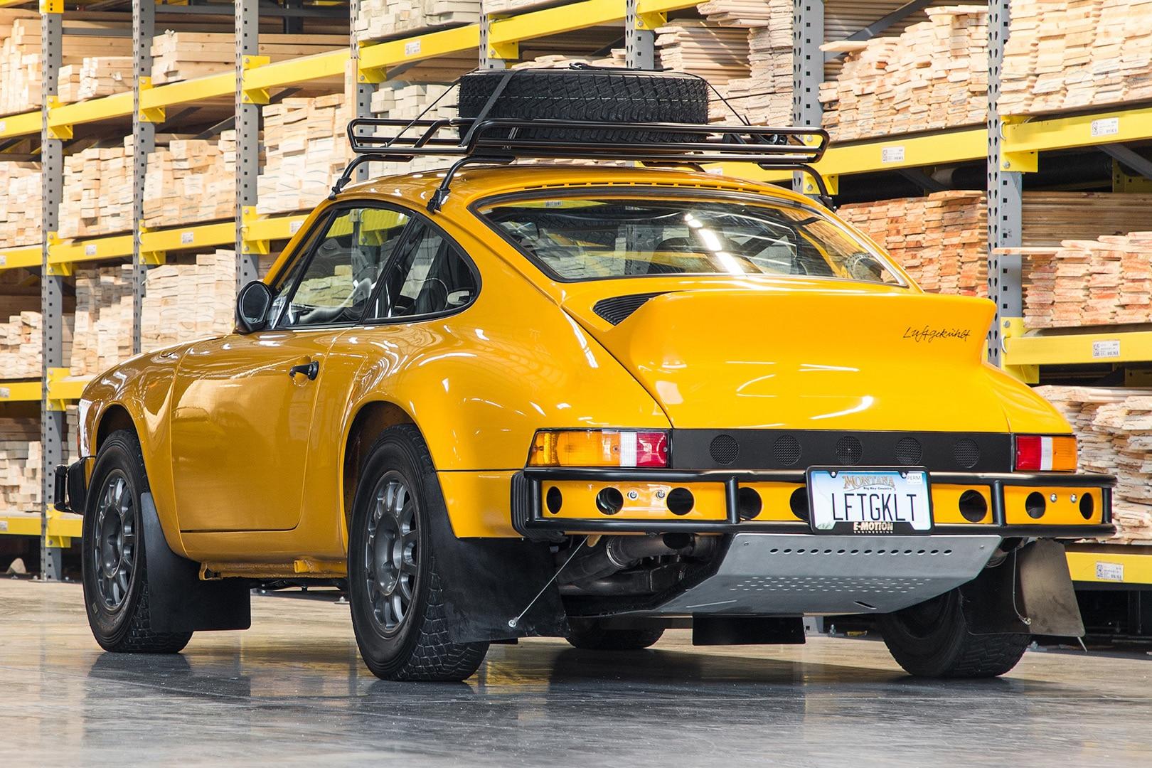 Luftauto 002 Porsche 911 Rear Three Quarter