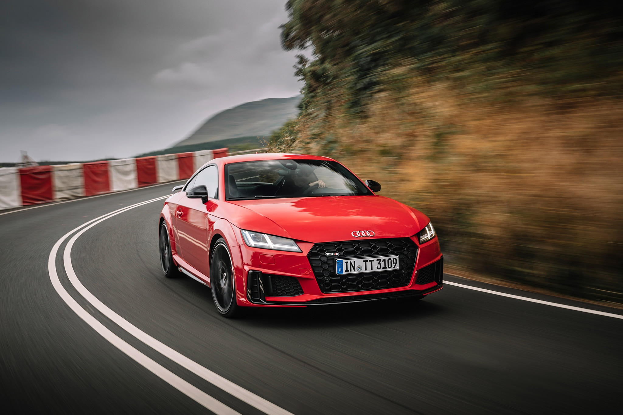 Watch: Seven Reasons Why the 2019 Audi TT is an Icon ...