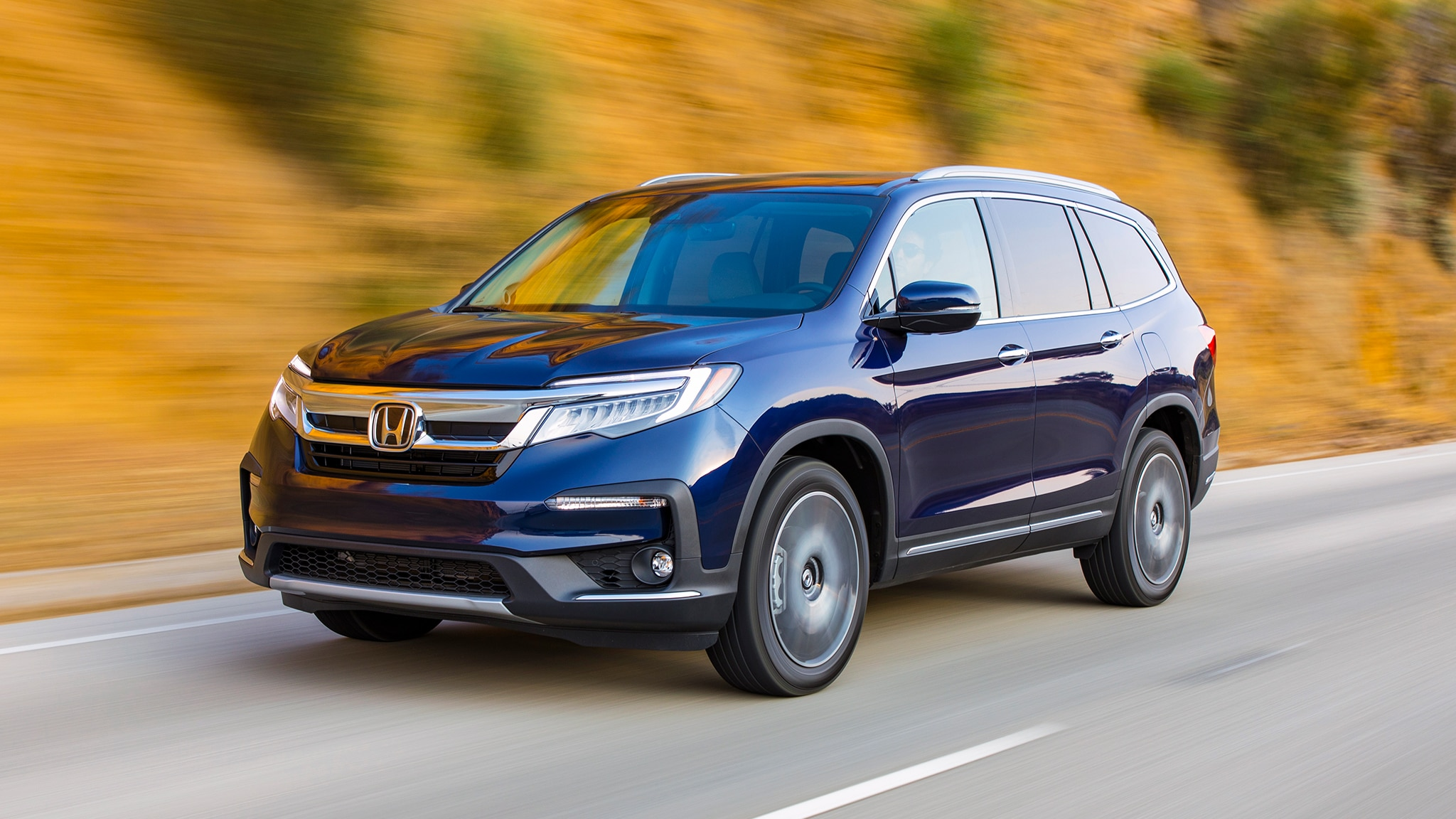 2019 Honda Pilot Front Three Quarter In Motion 4