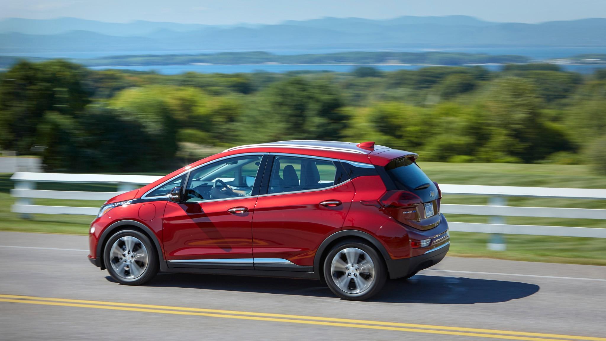 2019 Chevrolet Bolt EV and 2019 Chevrolet Volt PHEV Review