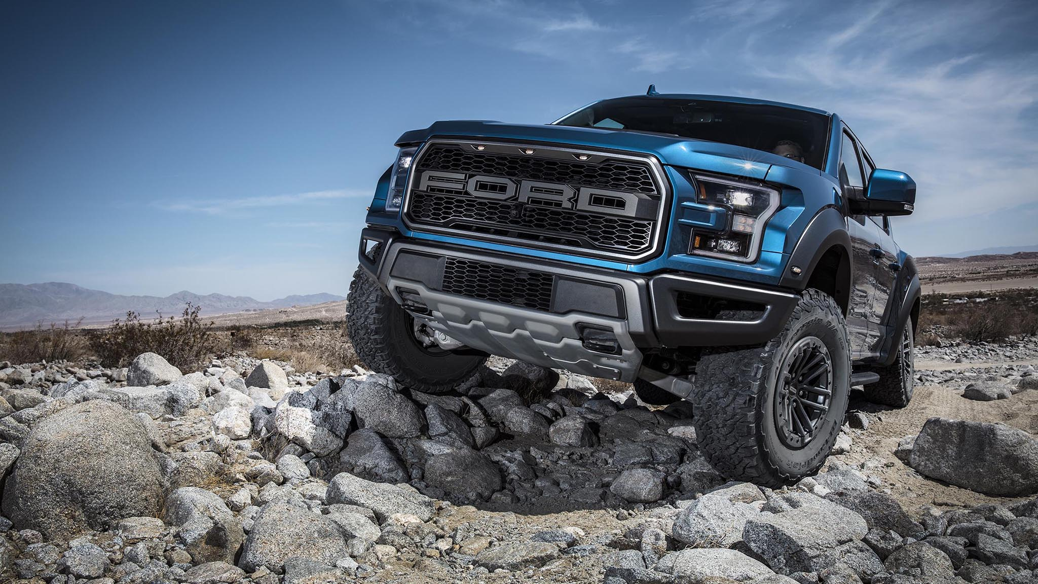 2019 Ford F 150 Raptor Picks Up Trail Control Automobile