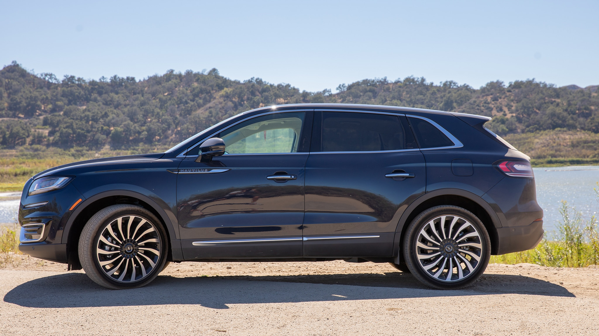 2020 Lincoln Nautilus Review, Price, Colors >> 2019 Lincoln Nautilus First Drive Review Automobile Magazine