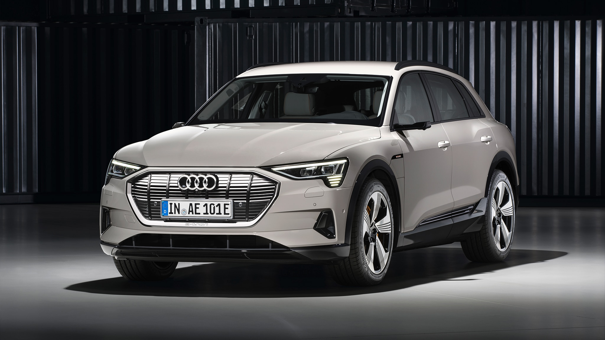 2019 audi e tron all electric suv officially revealed. Black Bedroom Furniture Sets. Home Design Ideas