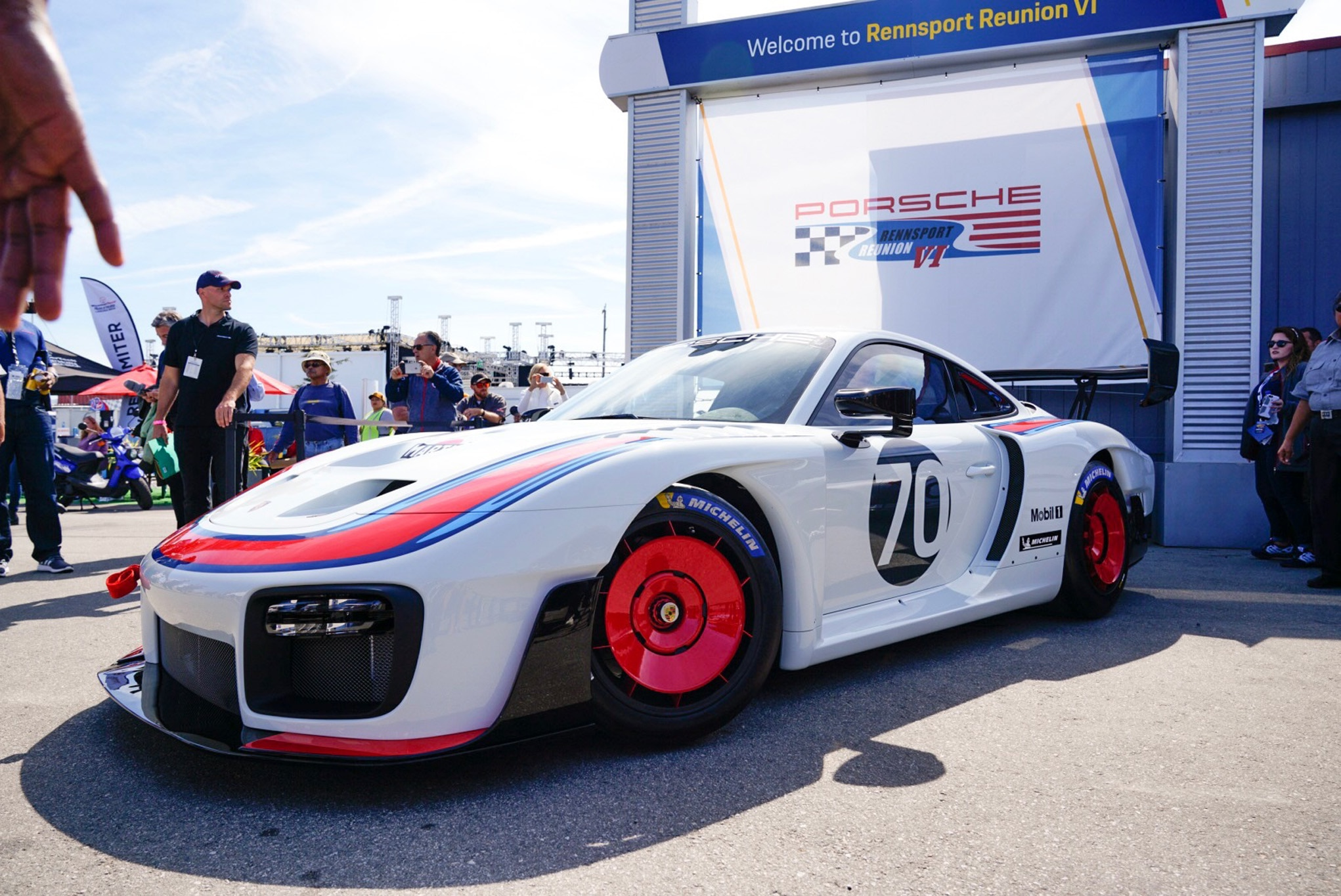 New 700hp Porsche 935 track auto unveiled