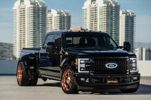 2018SEMA Extang FordF 350 1 1