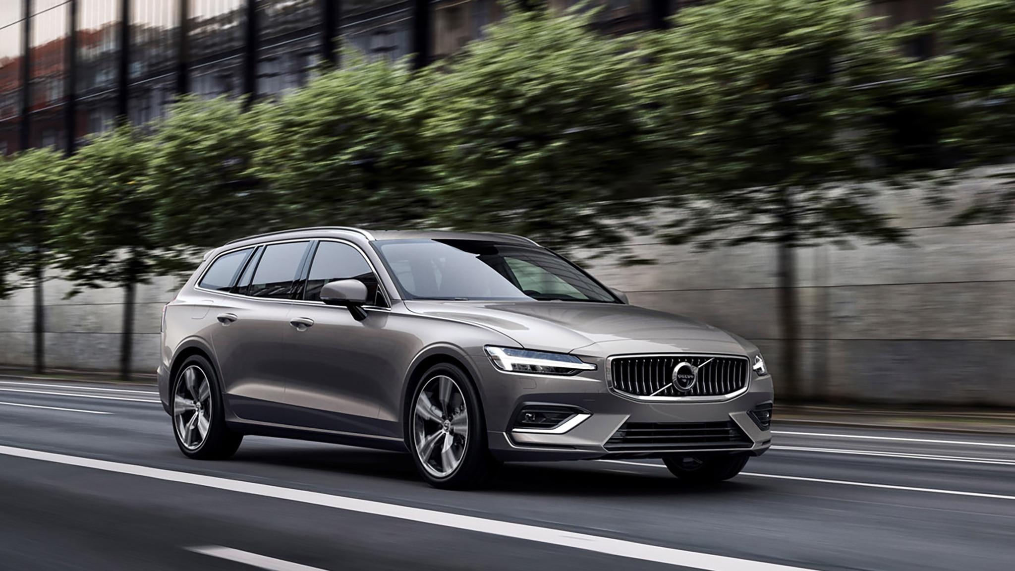 2019_Volvo_V60_exterior