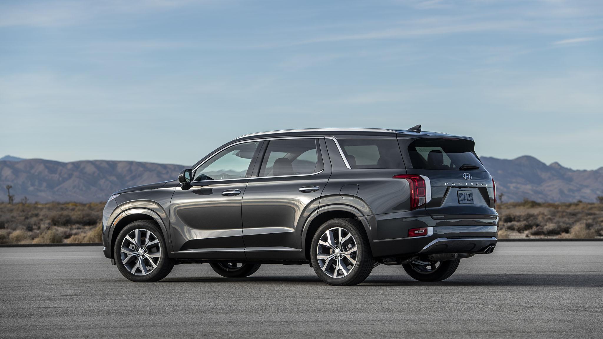2020 Hyundai Palisade Is a Three-Row Flagship with Luxury ...