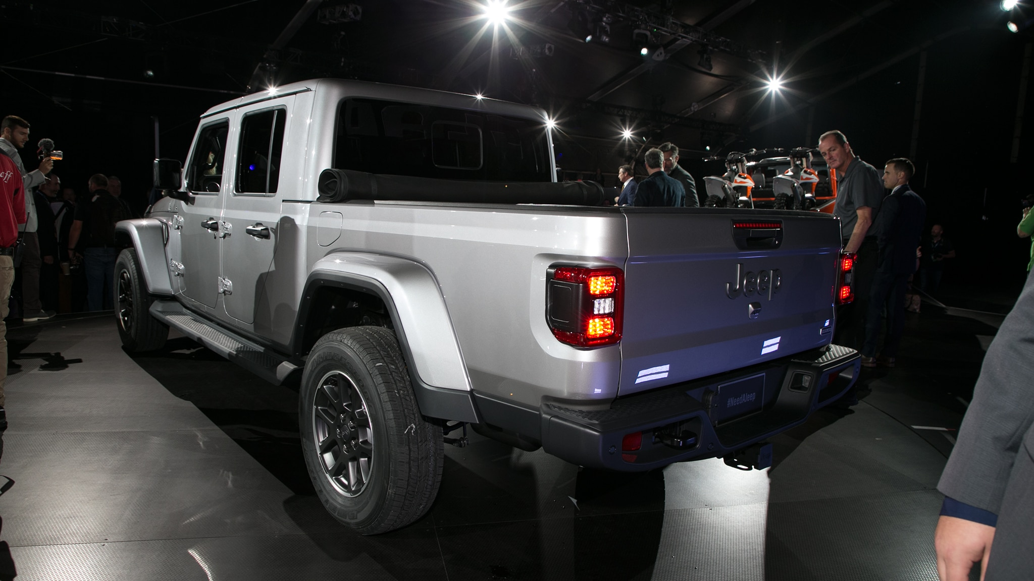 2020 Jeep Gladiator Pickup Arrives Here Are The Official Details