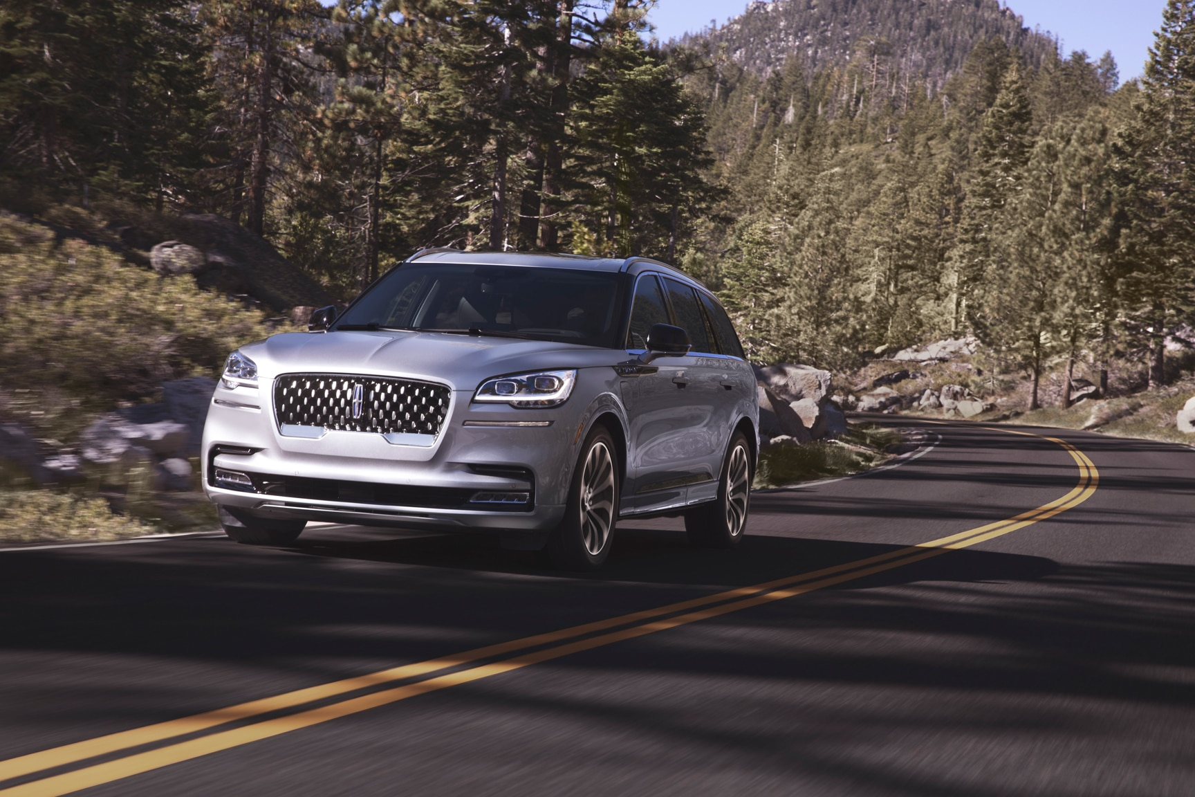 2020 Lincoln Aviator Grand Touring Moving