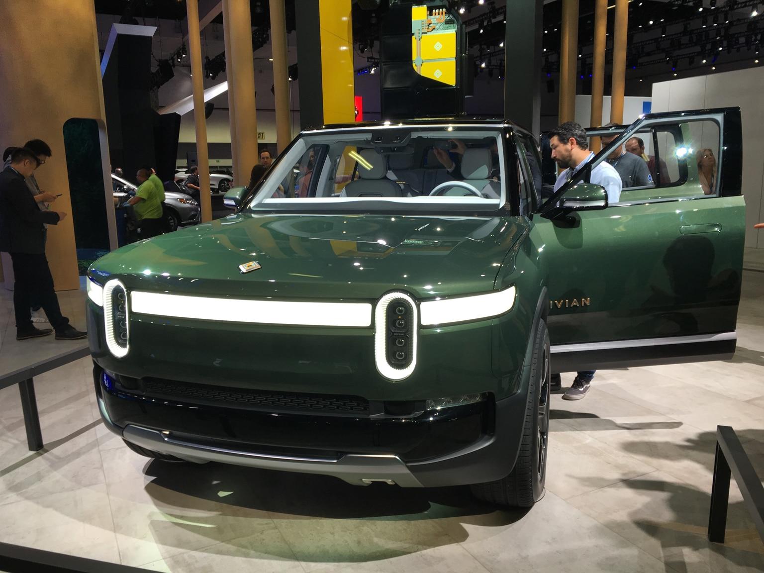 2020 Rivian R1S SUV 13