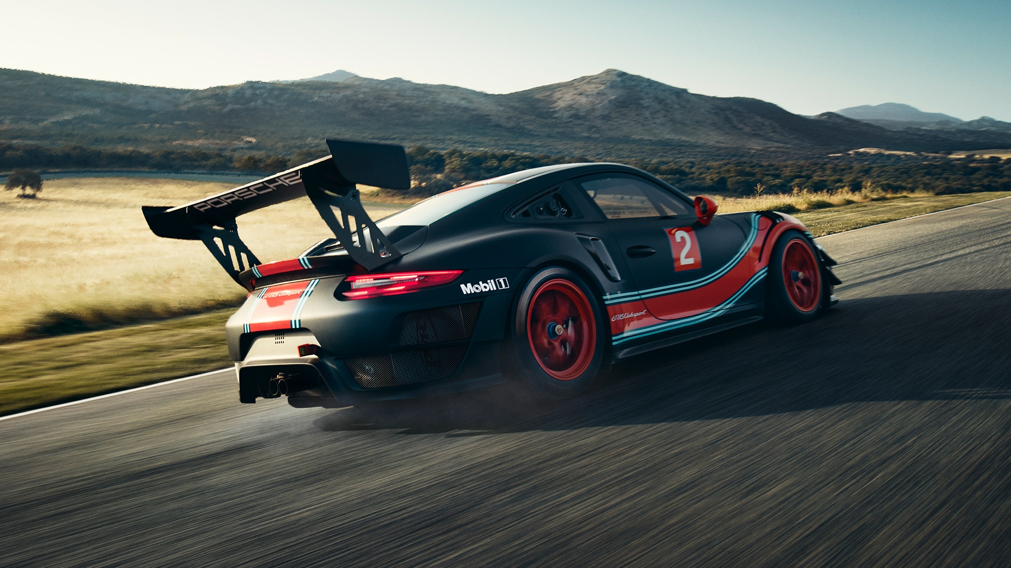 porsche 911 gt2 rs clubsport brings 700 hp to the track