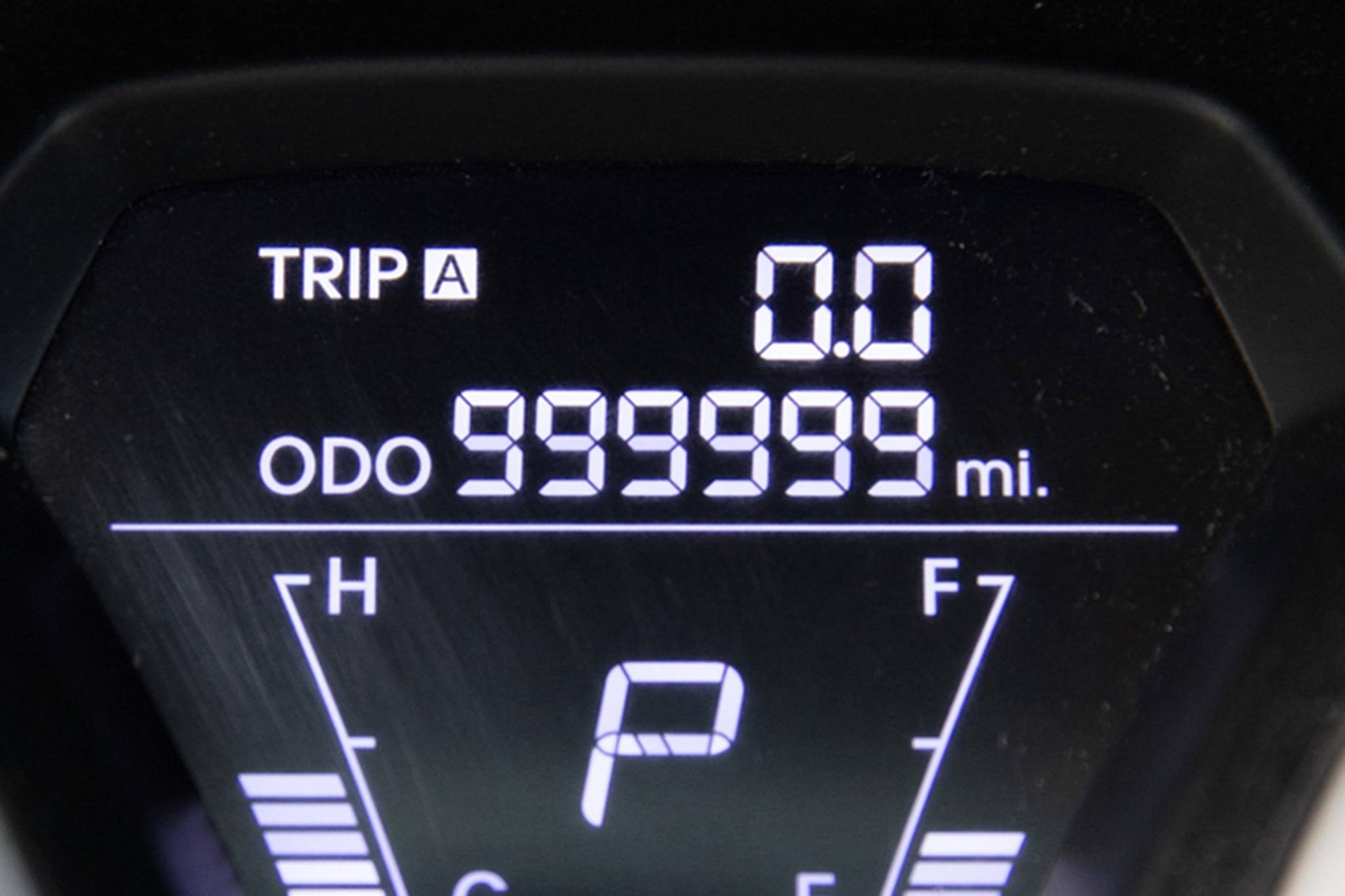 This Driver Put 1 Million Miles on a Hyundai Elantra in 5 ...
