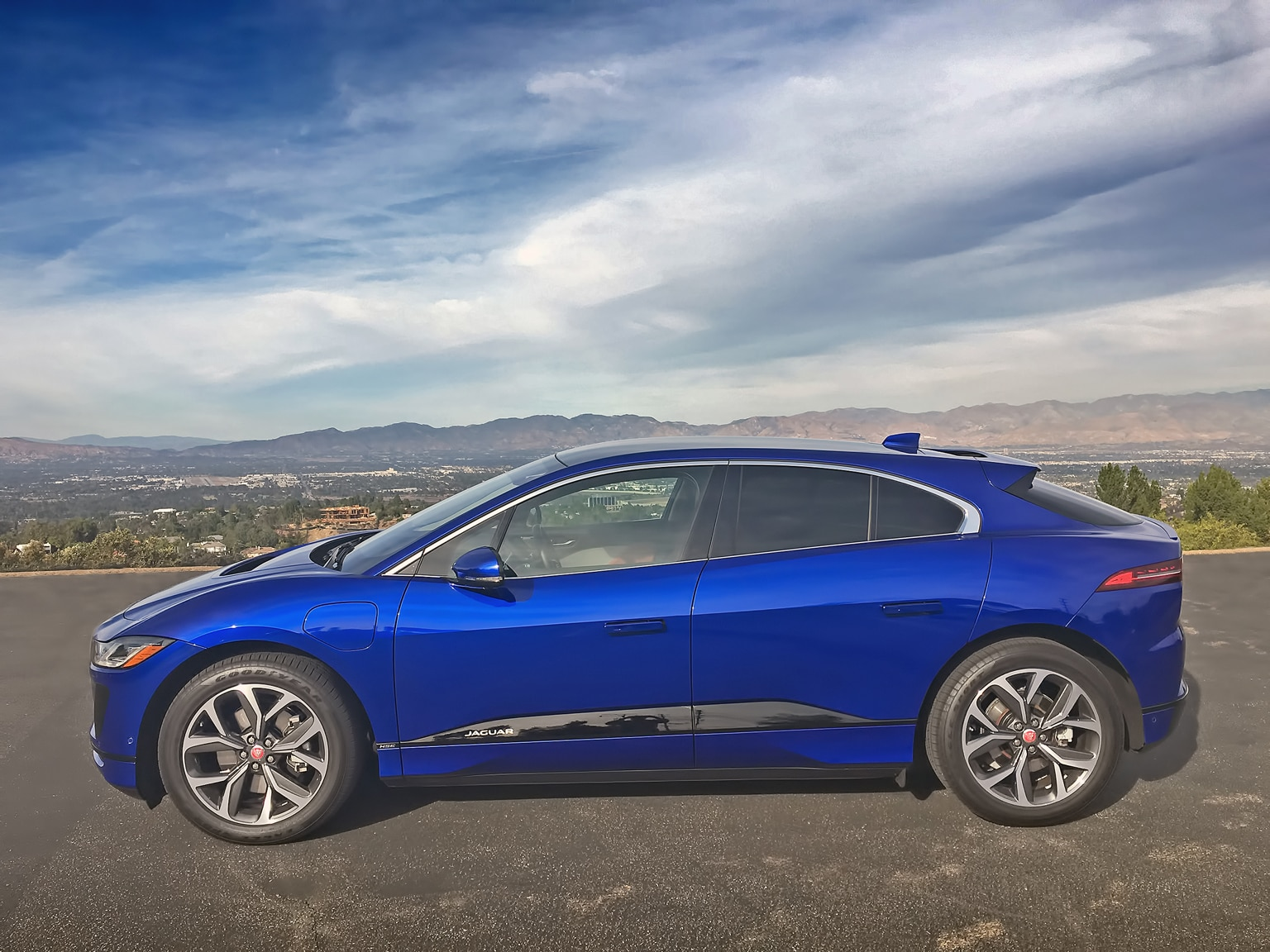2019 Jaguar I-Pace EV400 Is Unlike Any Jag Ever Made ...