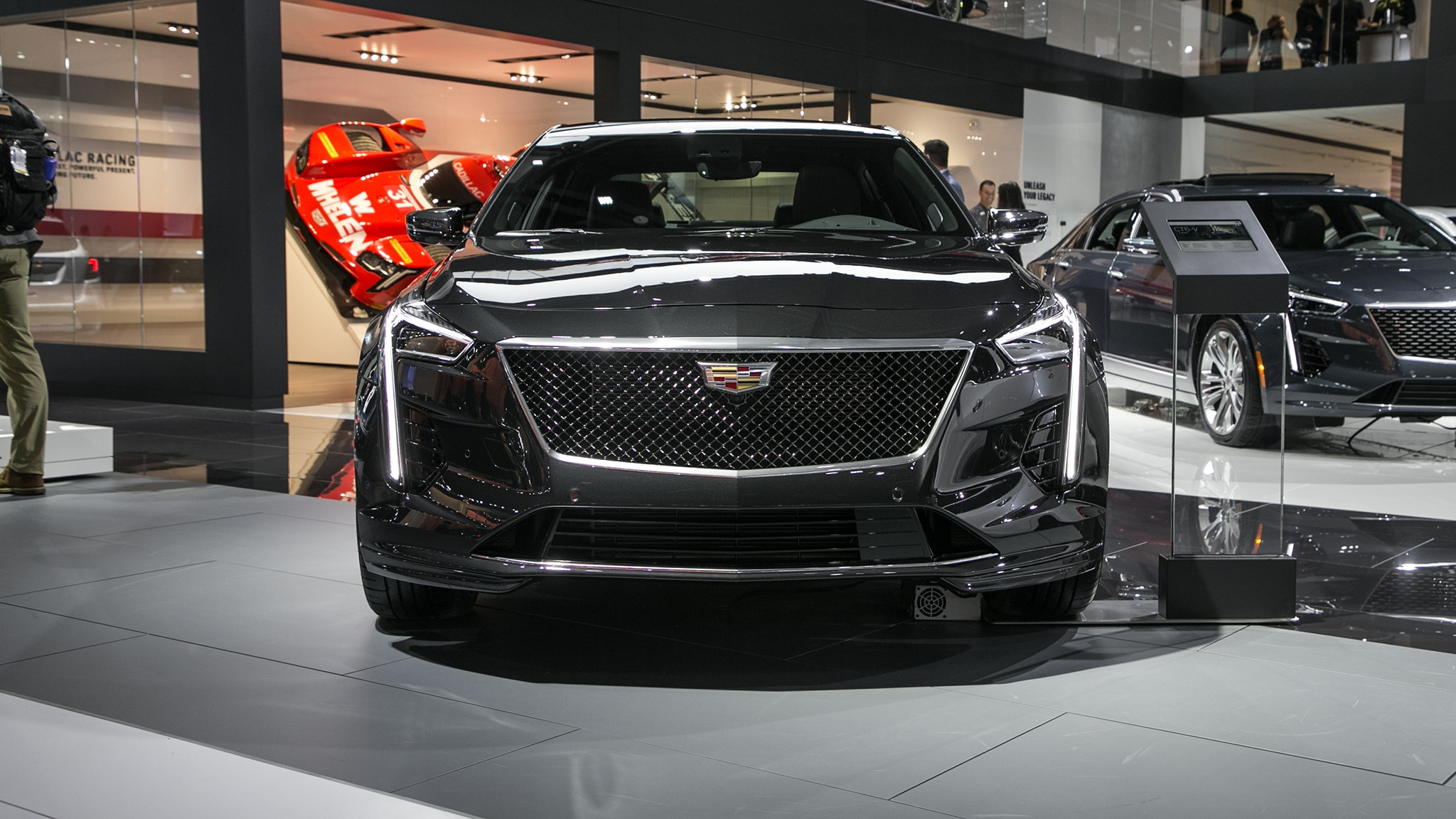 2019 Cadillac CT6-V Is a 550-HP Thing, Get One Before It's ...
