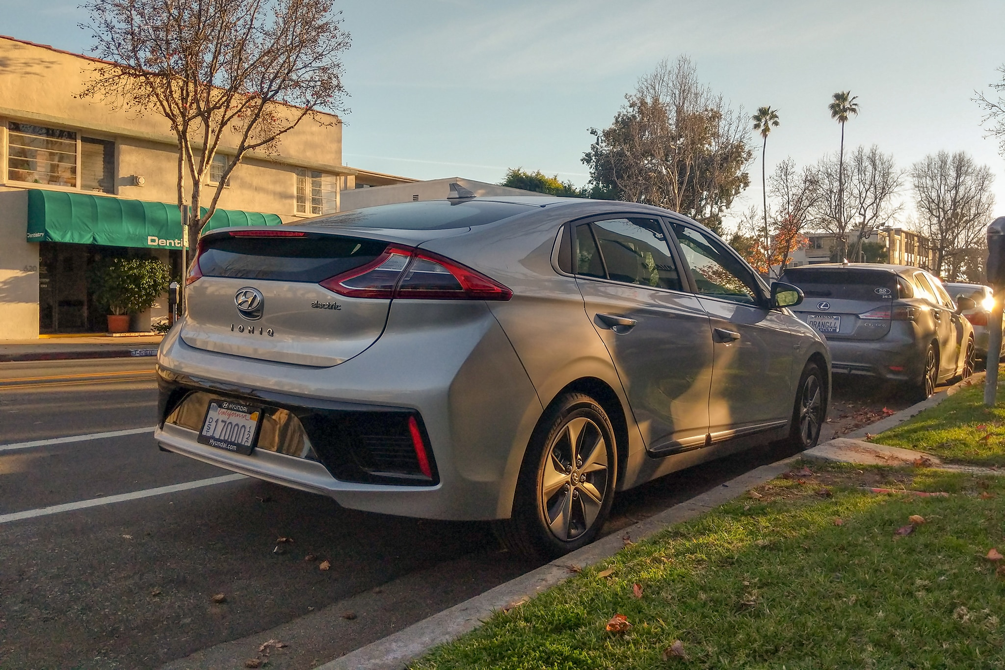 Review: The Hyundai Ioniq EV Offers Serene Simplicity | Car in My Life