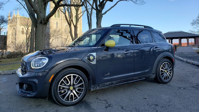 The Mini Countryman Plug In Hybrid Is Quirky Fun But Lacks Purpose