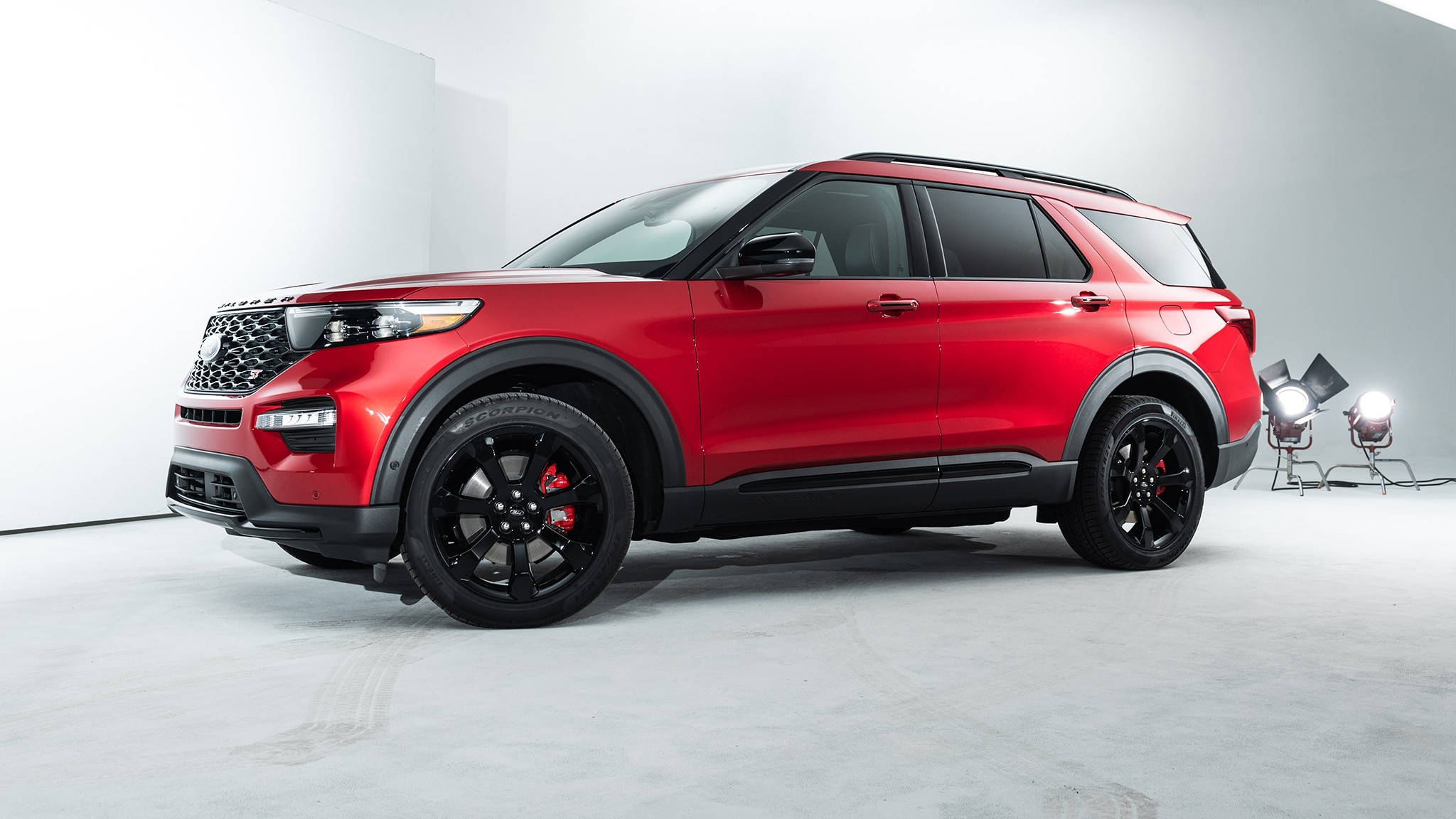 Thrifty or rambunctious: 2020 Ford Explorer hybrid and ST revealed