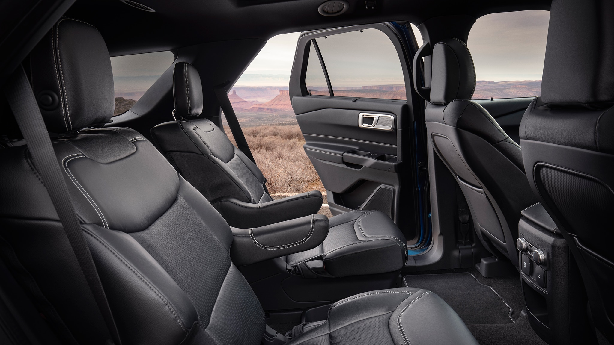 2020 Ford Explorer Photos And Details What You Need To Know Car